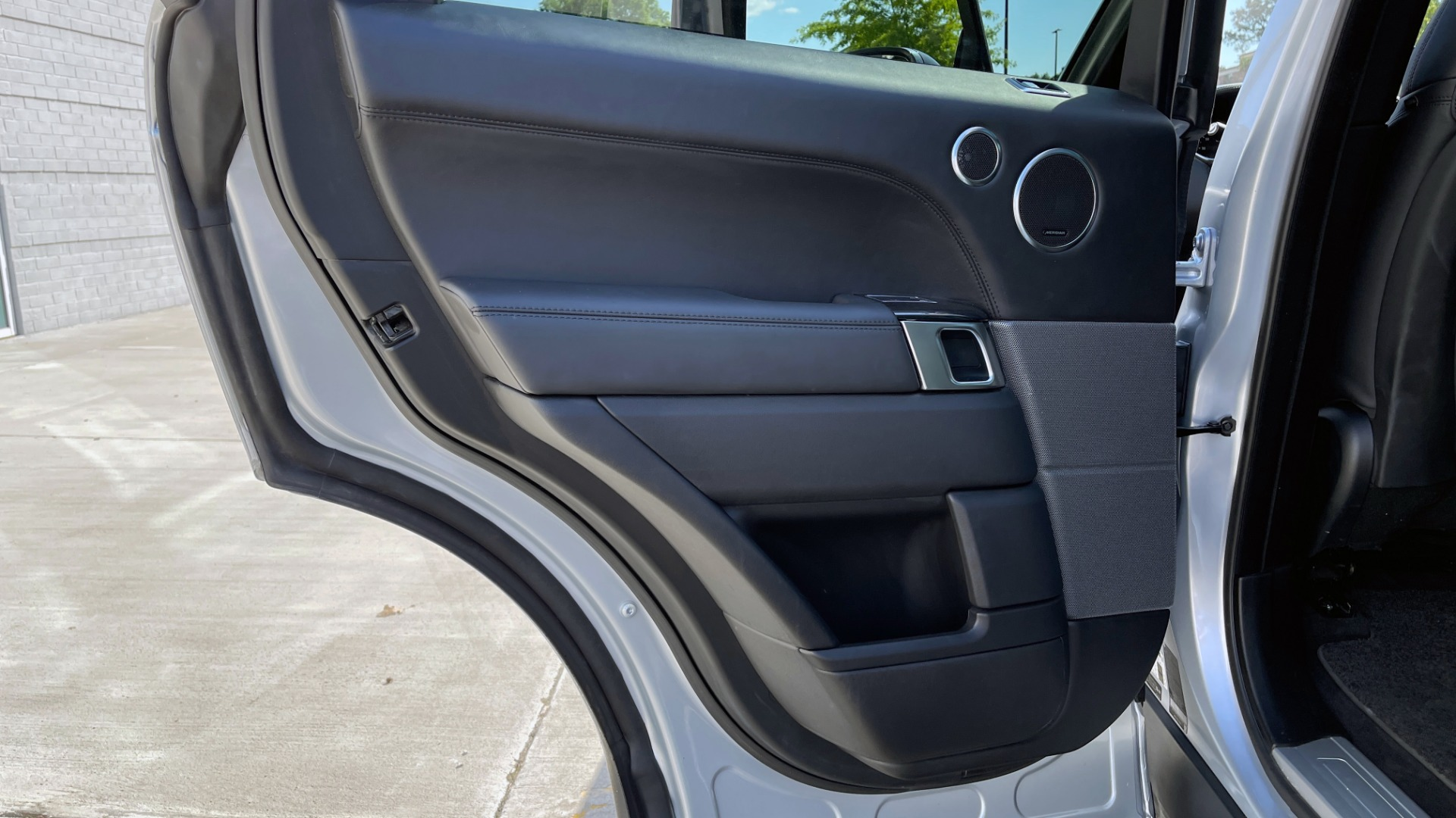 Used 2019 Land Rover RANGE ROVER SPORT HSE DYNAMIC / 3.0L SC V6 / 8-SPD / APPLE / NAV / SUNROOF / REARVIEW for sale Sold at Formula Imports in Charlotte NC 28227 85