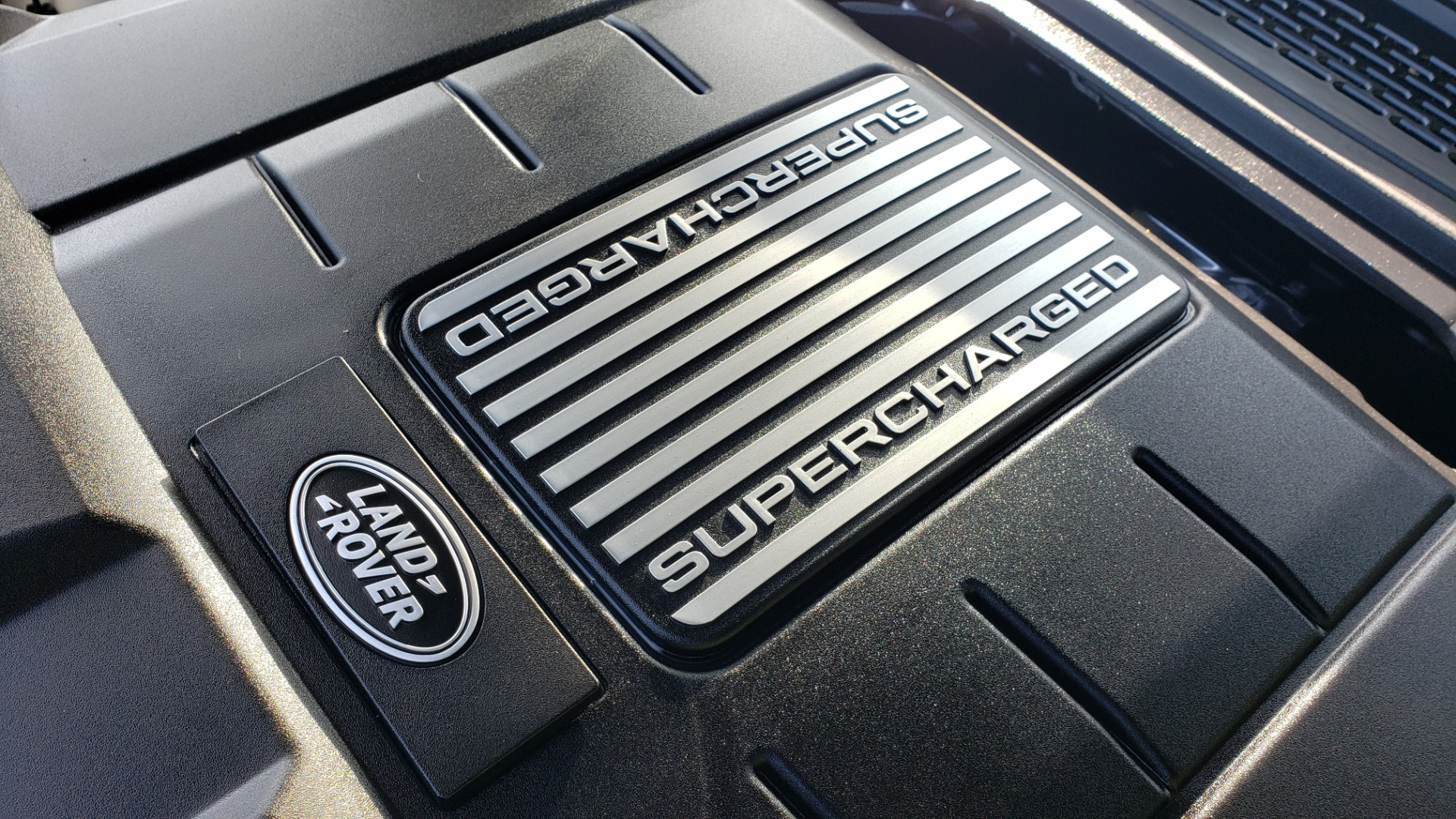 Used 2015 Land Rover Range Rover Supercharged for sale Sold at Formula Imports in Charlotte NC 28227 18