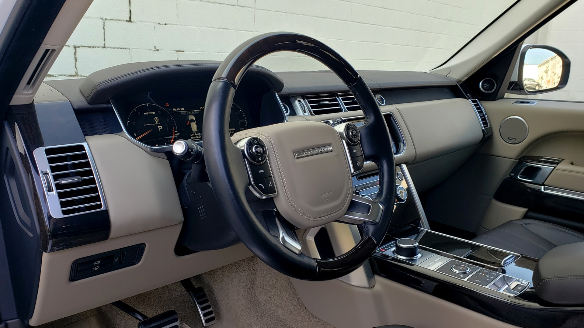 Used 2015 Land Rover Range Rover Supercharged for sale Sold at Formula Imports in Charlotte NC 28227 39