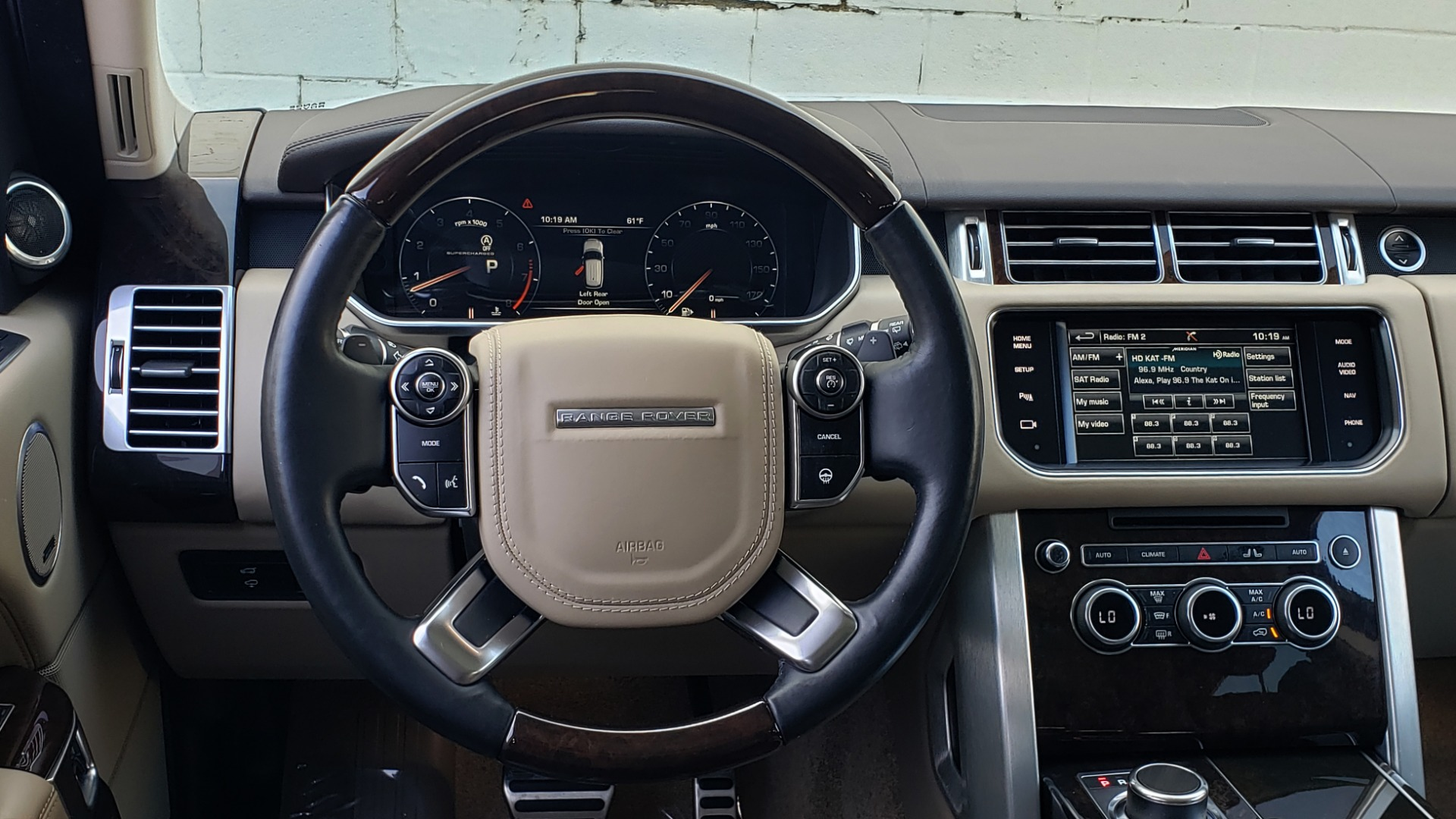 Used 2015 Land Rover Range Rover Supercharged for sale Sold at Formula Imports in Charlotte NC 28227 41