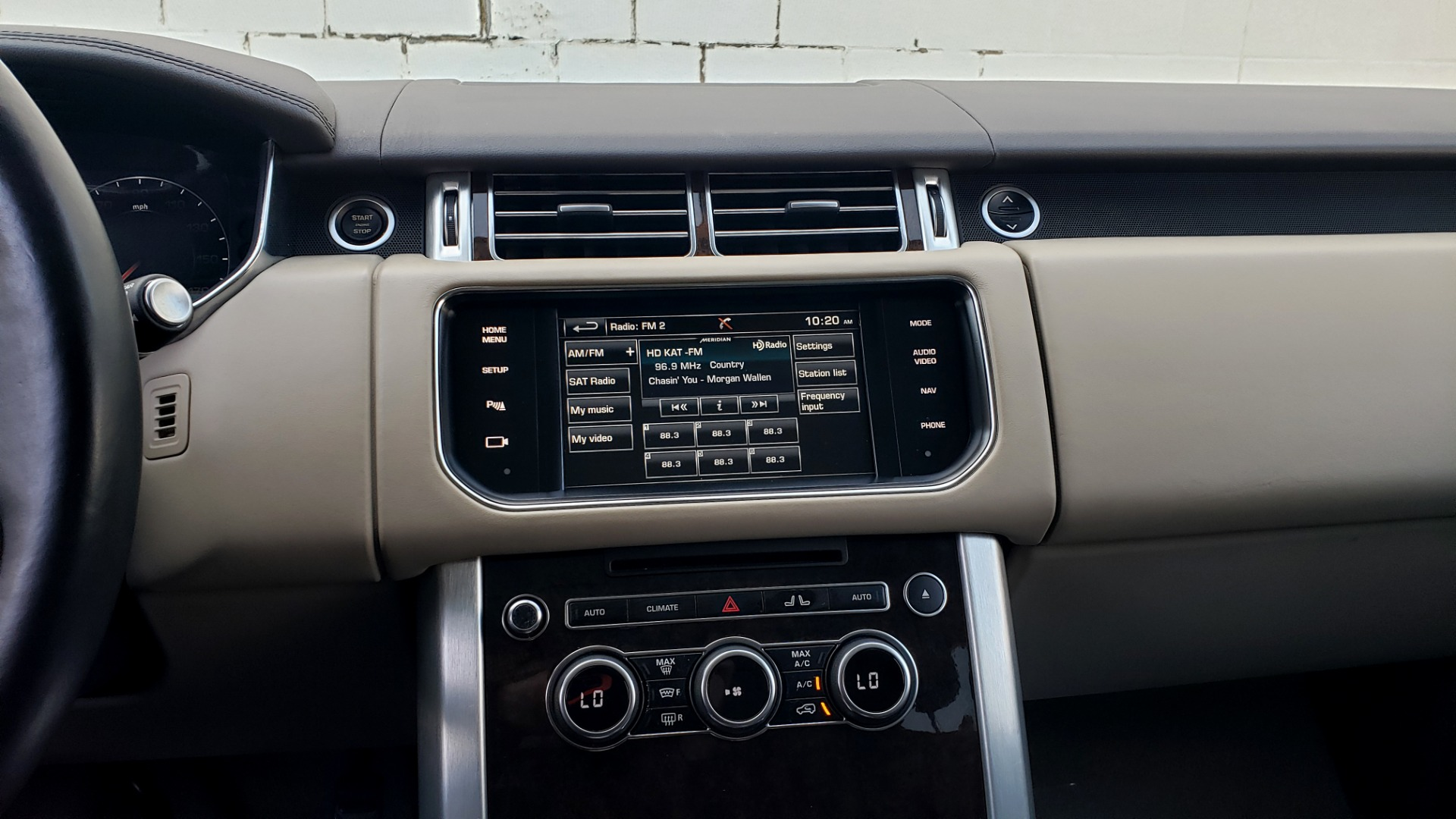 Used 2015 Land Rover Range Rover Supercharged for sale Sold at Formula Imports in Charlotte NC 28227 47