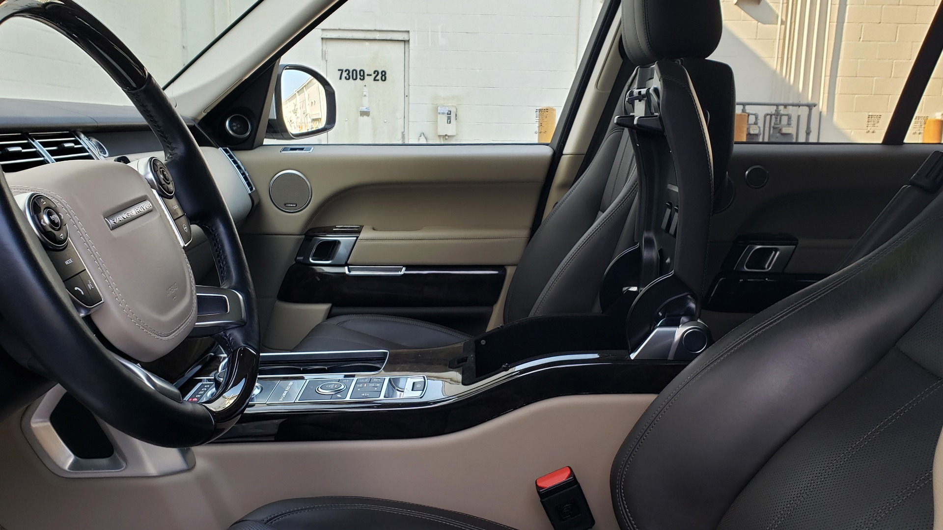 Used 2015 Land Rover Range Rover Supercharged for sale Sold at Formula Imports in Charlotte NC 28227 60