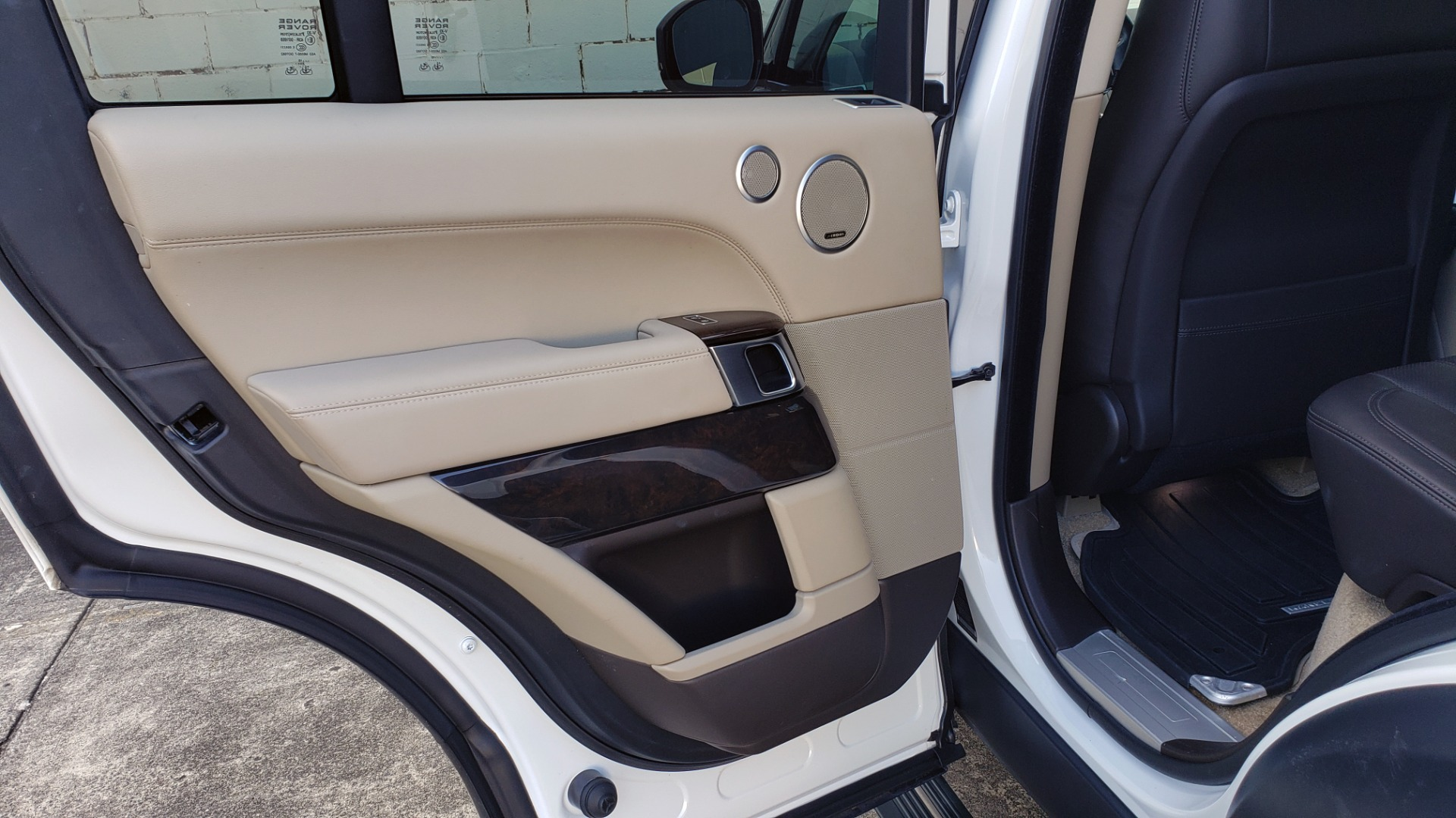 Used 2015 Land Rover Range Rover Supercharged for sale Sold at Formula Imports in Charlotte NC 28227 62