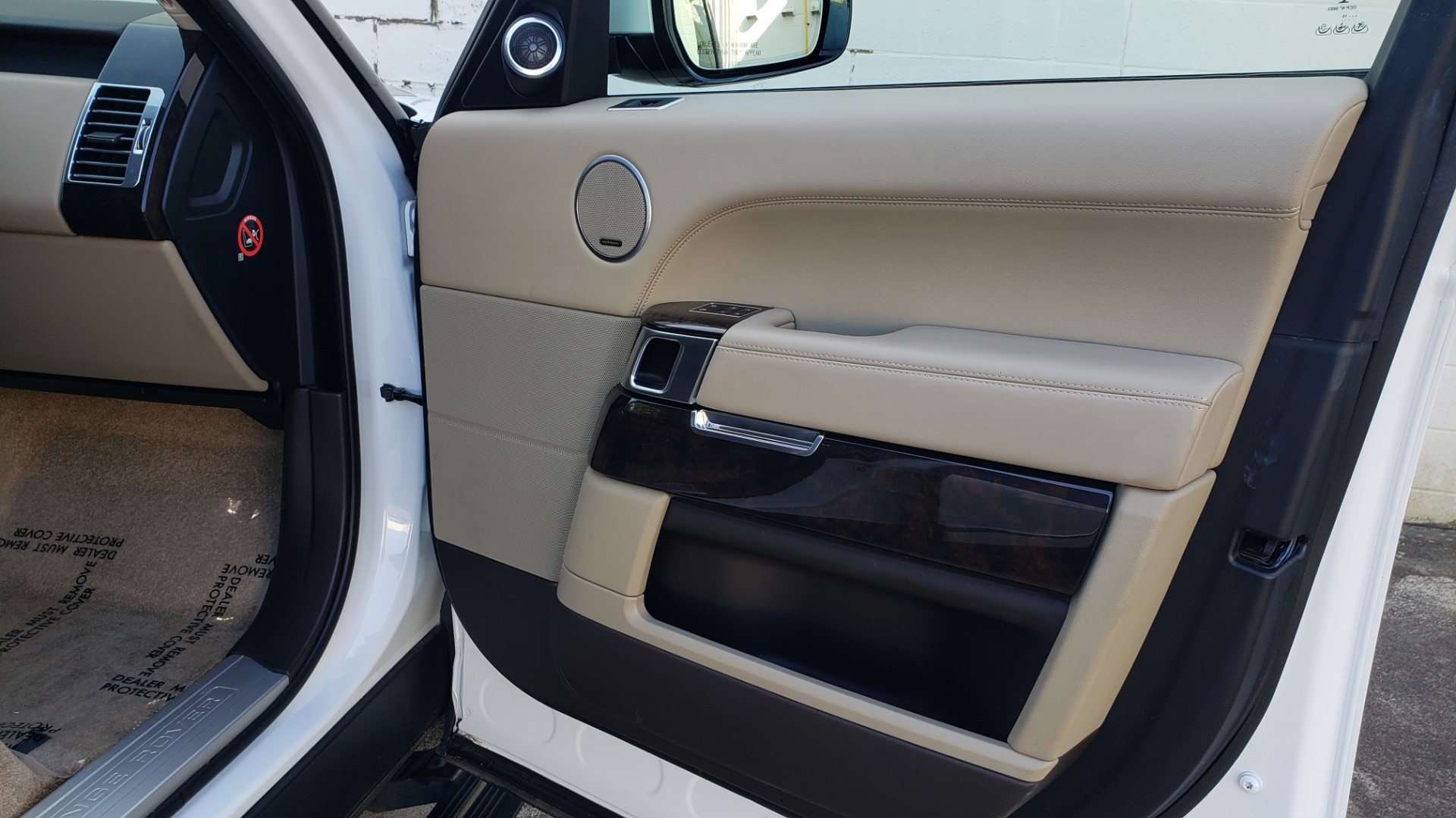 Used 2015 Land Rover Range Rover Supercharged for sale Sold at Formula Imports in Charlotte NC 28227 68