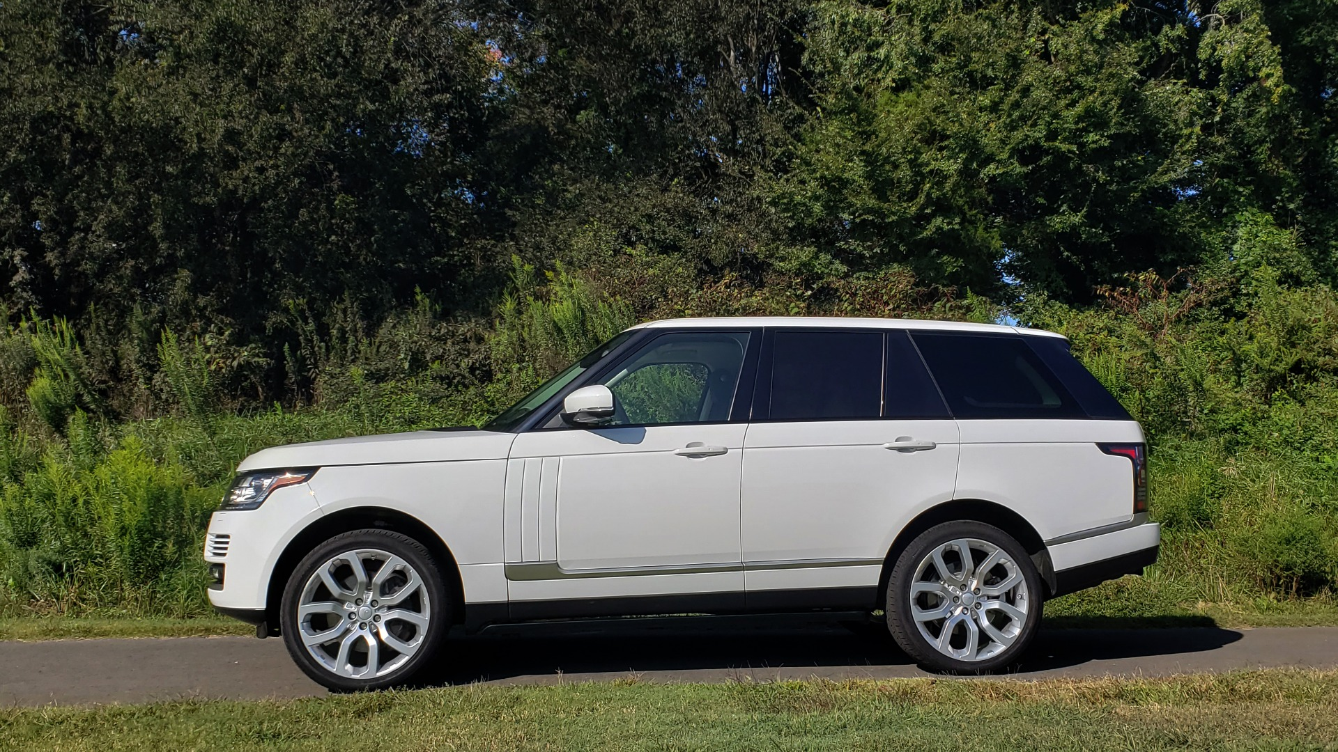 Used 2015 Land Rover Range Rover Supercharged for sale Sold at Formula Imports in Charlotte NC 28227 7