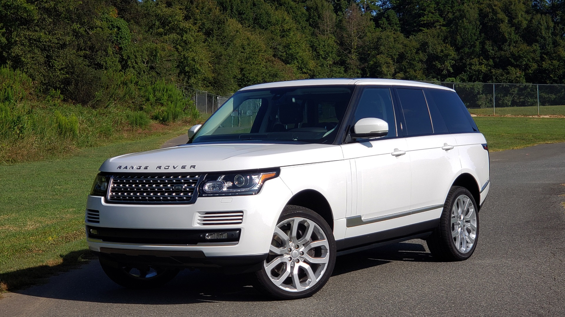 Used 2015 Land Rover Range Rover Supercharged for sale Sold at Formula Imports in Charlotte NC 28227 1