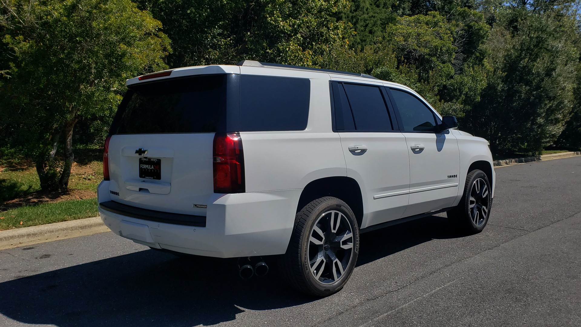 Used 2018 Chevrolet TAHOE PREMIER 4WD / 6.2L V8 / NAV / SUNROOF / ENT / BOSE / 3-ROW / REARVIEW for sale Sold at Formula Imports in Charlotte NC 28227 2