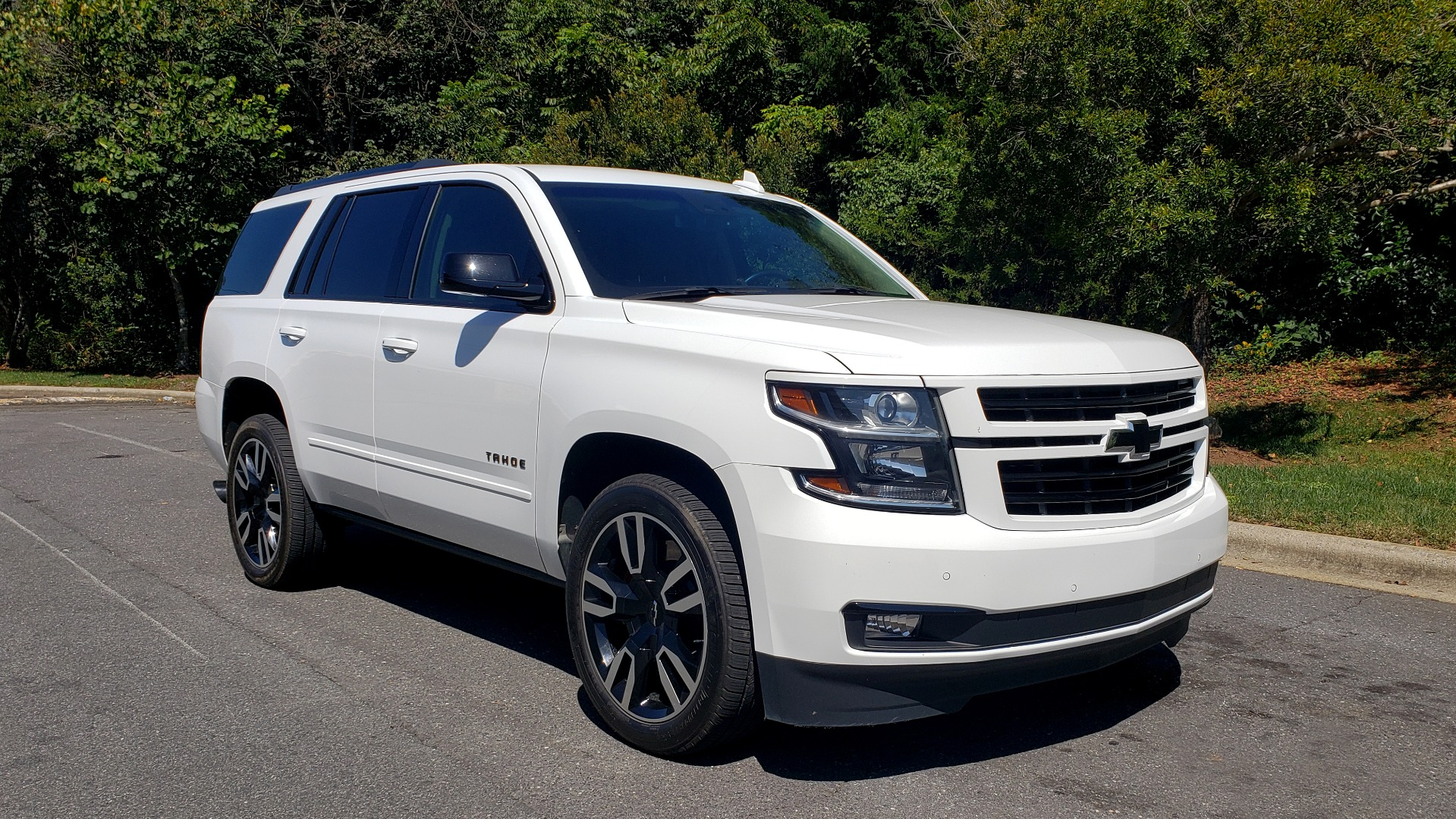 Used 2018 Chevrolet TAHOE PREMIER 4WD / 6.2L V8 / NAV / SUNROOF / ENT / BOSE / 3-ROW / REARVIEW for sale Sold at Formula Imports in Charlotte NC 28227 6