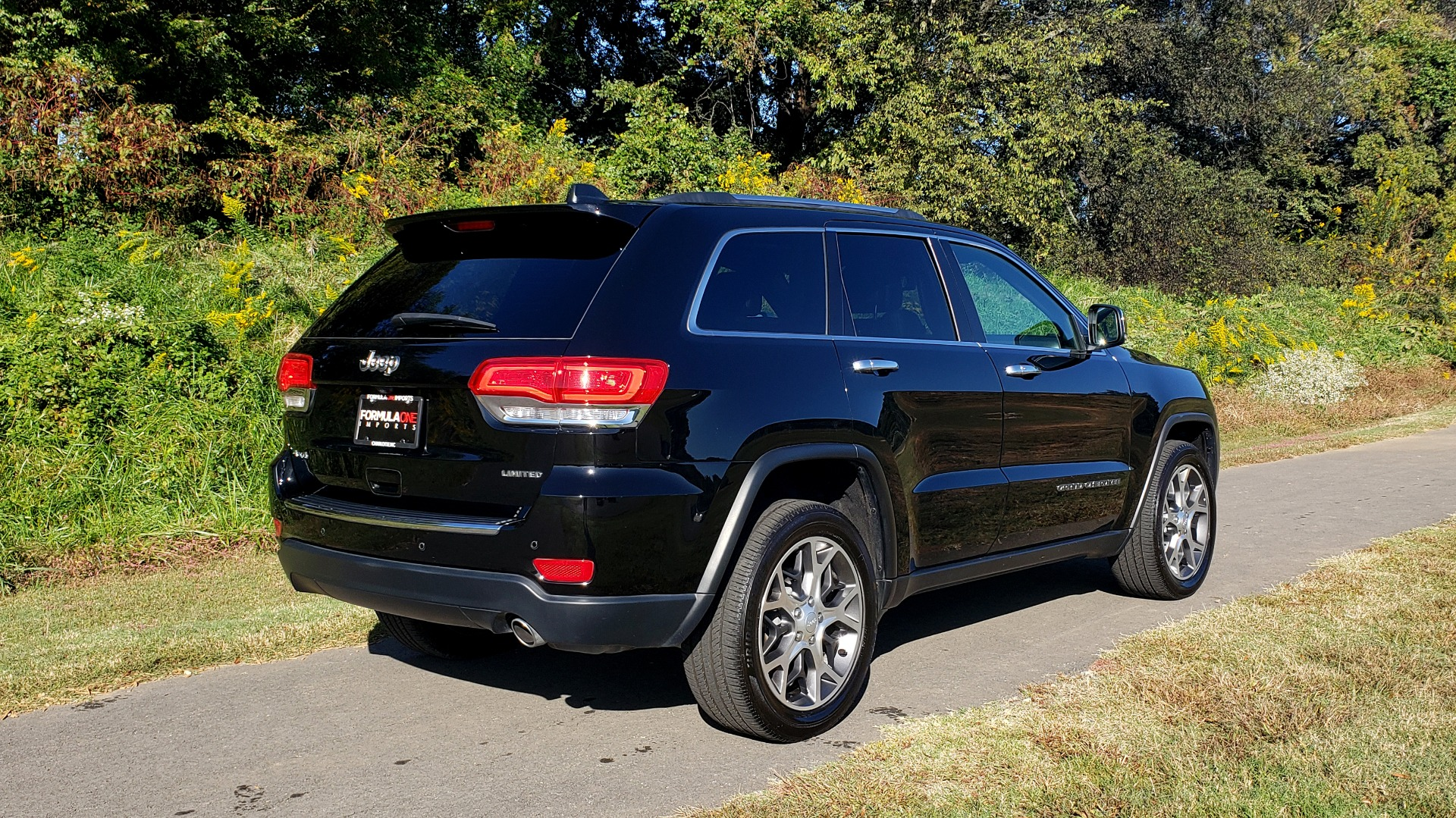 Used 2019 Jeep GRAND CHEROKEE LIMITED 4X4 / NAV / SUNROOF / BLIND SPOT MONITOR / REARVIEW for sale Sold at Formula Imports in Charlotte NC 28227 5