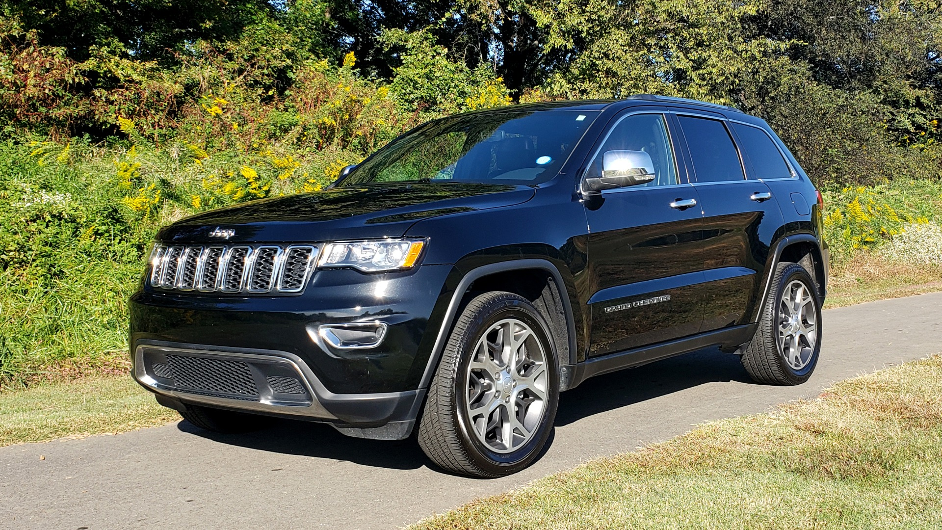 Used 2019 Jeep GRAND CHEROKEE LIMITED 4X4 / NAV / SUNROOF / BLIND SPOT MONITOR / REARVIEW for sale Sold at Formula Imports in Charlotte NC 28227 6