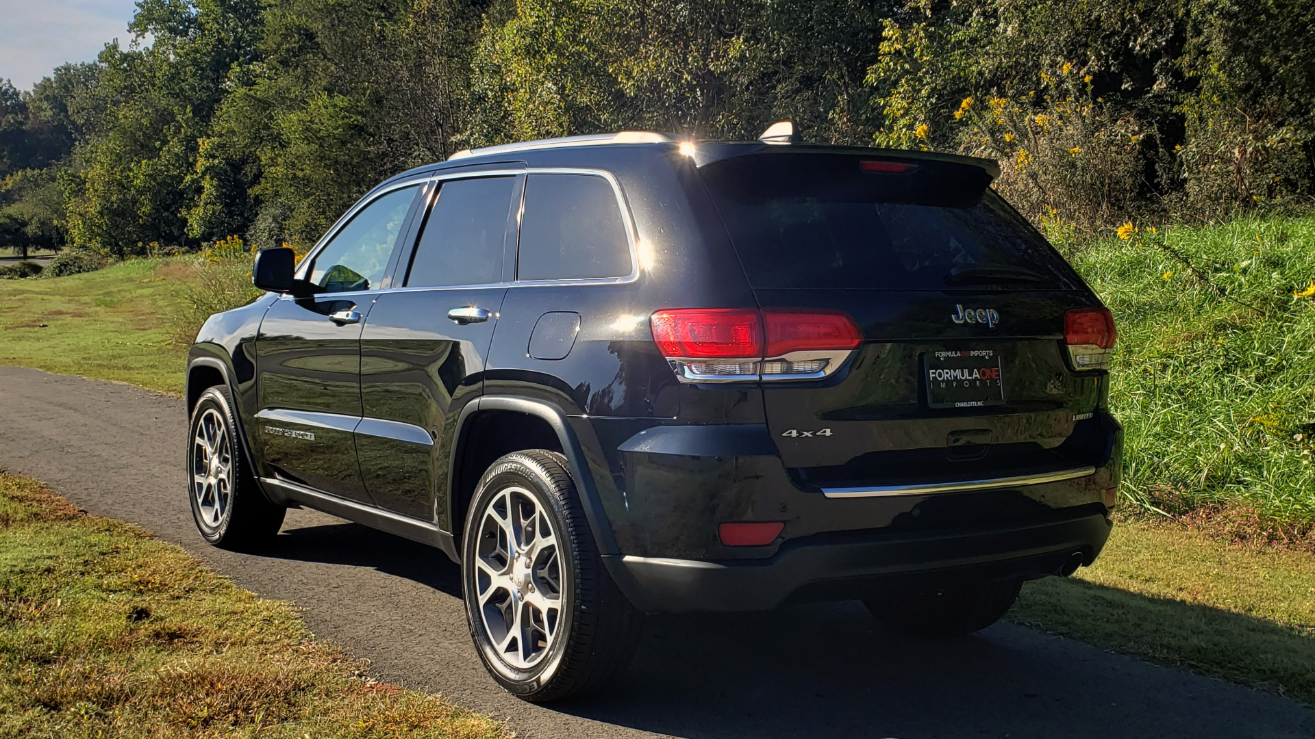 Used 2019 Jeep GRAND CHEROKEE LIMITED 4X4 / NAV / SUNROOF / BLIND SPOT MONITOR / REARVIEW for sale Sold at Formula Imports in Charlotte NC 28227 8