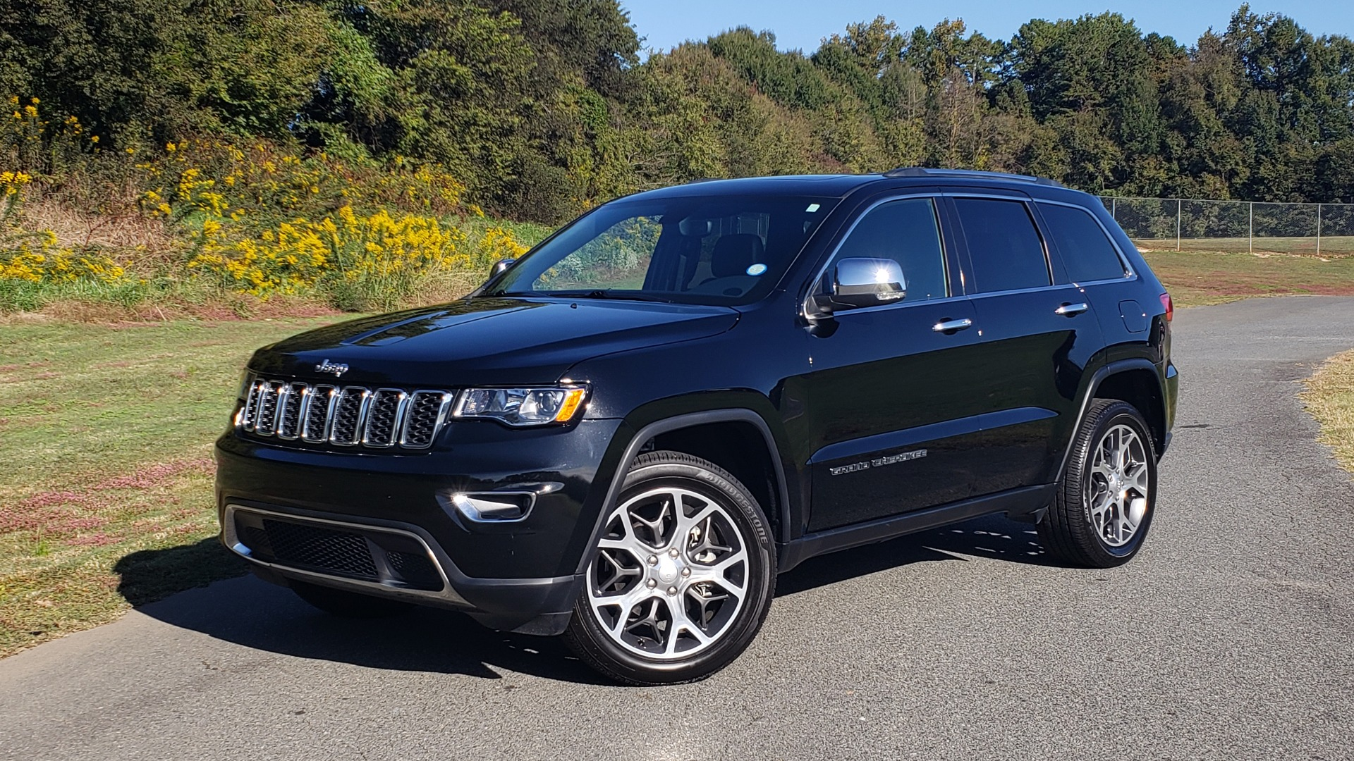 Used 2019 Jeep GRAND CHEROKEE LIMITED 4X4 / NAV / SUNROOF / BLIND SPOT MONITOR / REARVIEW for sale Sold at Formula Imports in Charlotte NC 28227 1