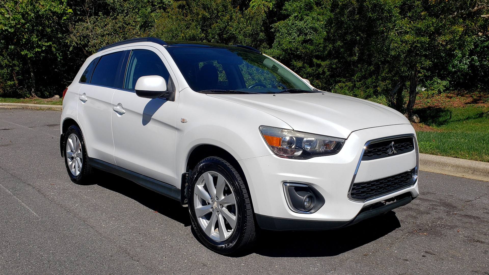 Used 2013 Mitsubishi OUTLANDER SPORT SE / 2WD / 4-DR SUV / CVT TRANS / PREMIUM SOUND / REARVIEW for sale Sold at Formula Imports in Charlotte NC 28227 4