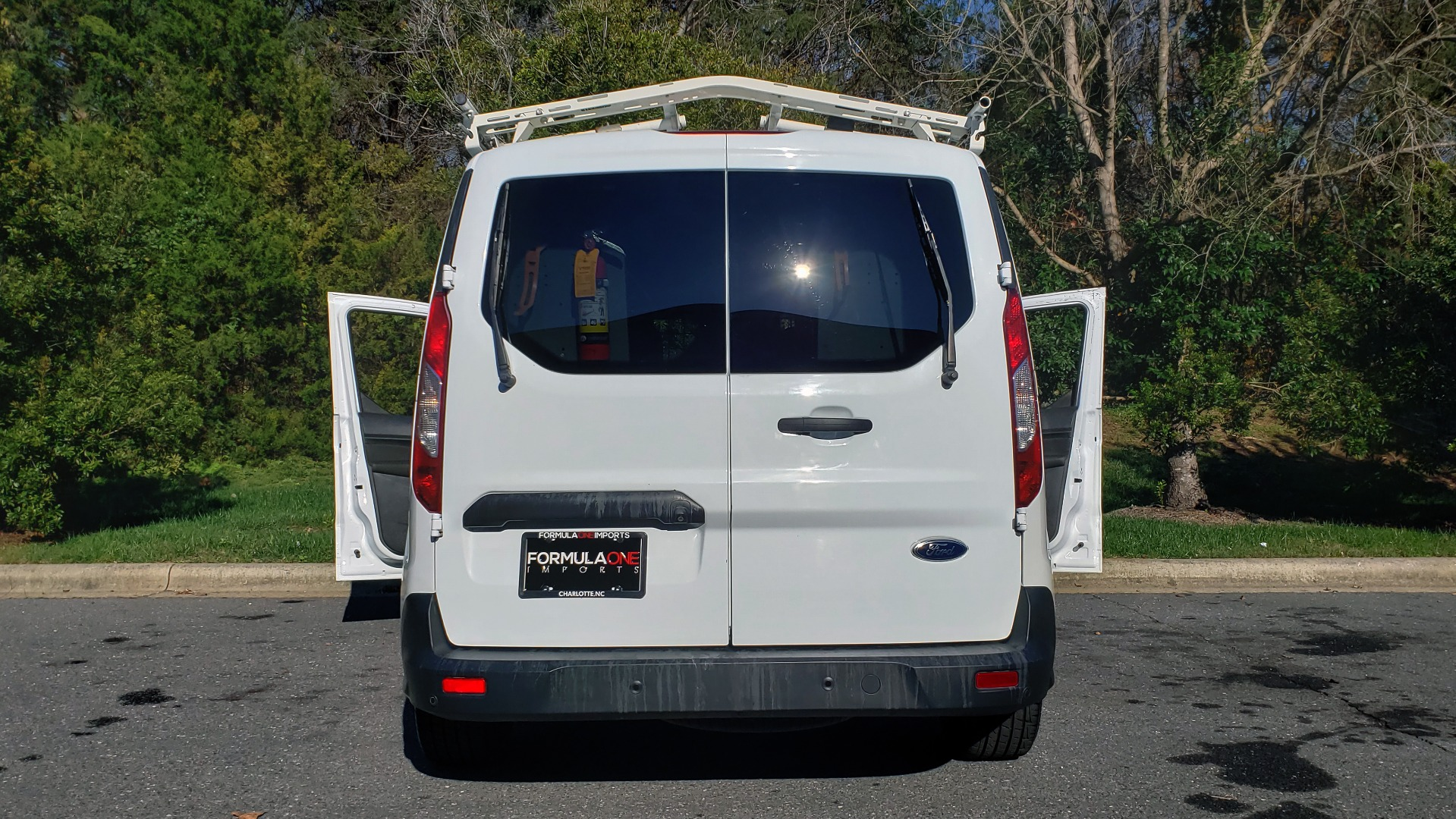 Used 2015 Ford TRANSIT CONNECT XLT CARGO VAN / 121-IN WB / 2.5L 4-CYL / AUTO / REARVIEW / WORK VAN for sale $10,995 at Formula Imports in Charlotte NC 28227 19