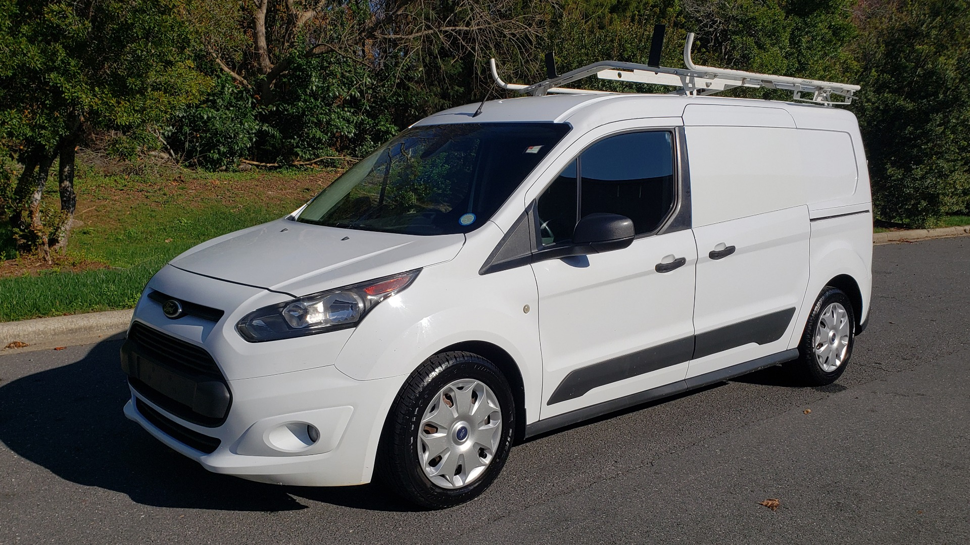 Used 2015 Ford TRANSIT CONNECT XLT CARGO VAN / 121-IN WB / 2.5L 4-CYL / AUTO / REARVIEW / WORK VAN for sale $10,995 at Formula Imports in Charlotte NC 28227 1