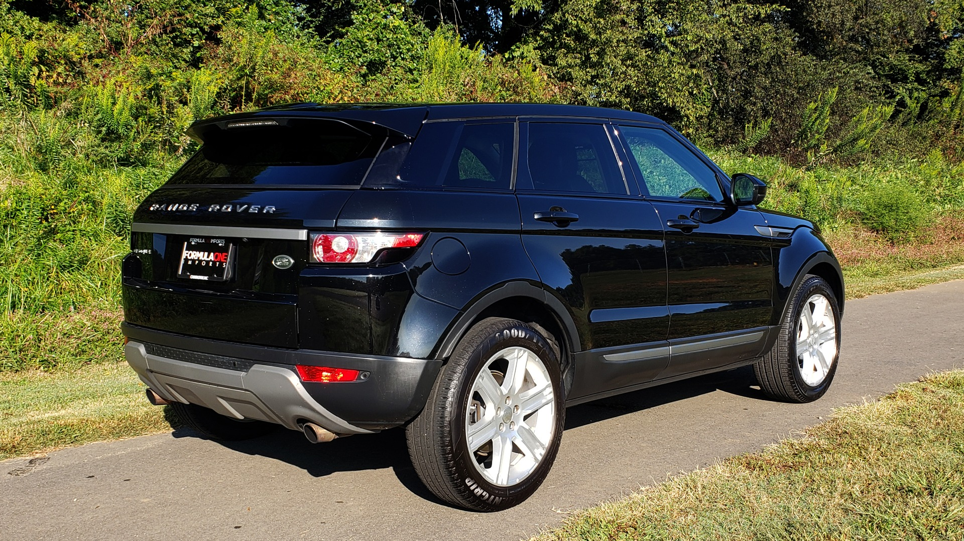 Used 2015 Land Rover RANGE ROVER EVOQUE PURE PREMIUM / PURE PLUS / CLIMATE COMFORT / REARVIEW for sale Sold at Formula Imports in Charlotte NC 28227 2