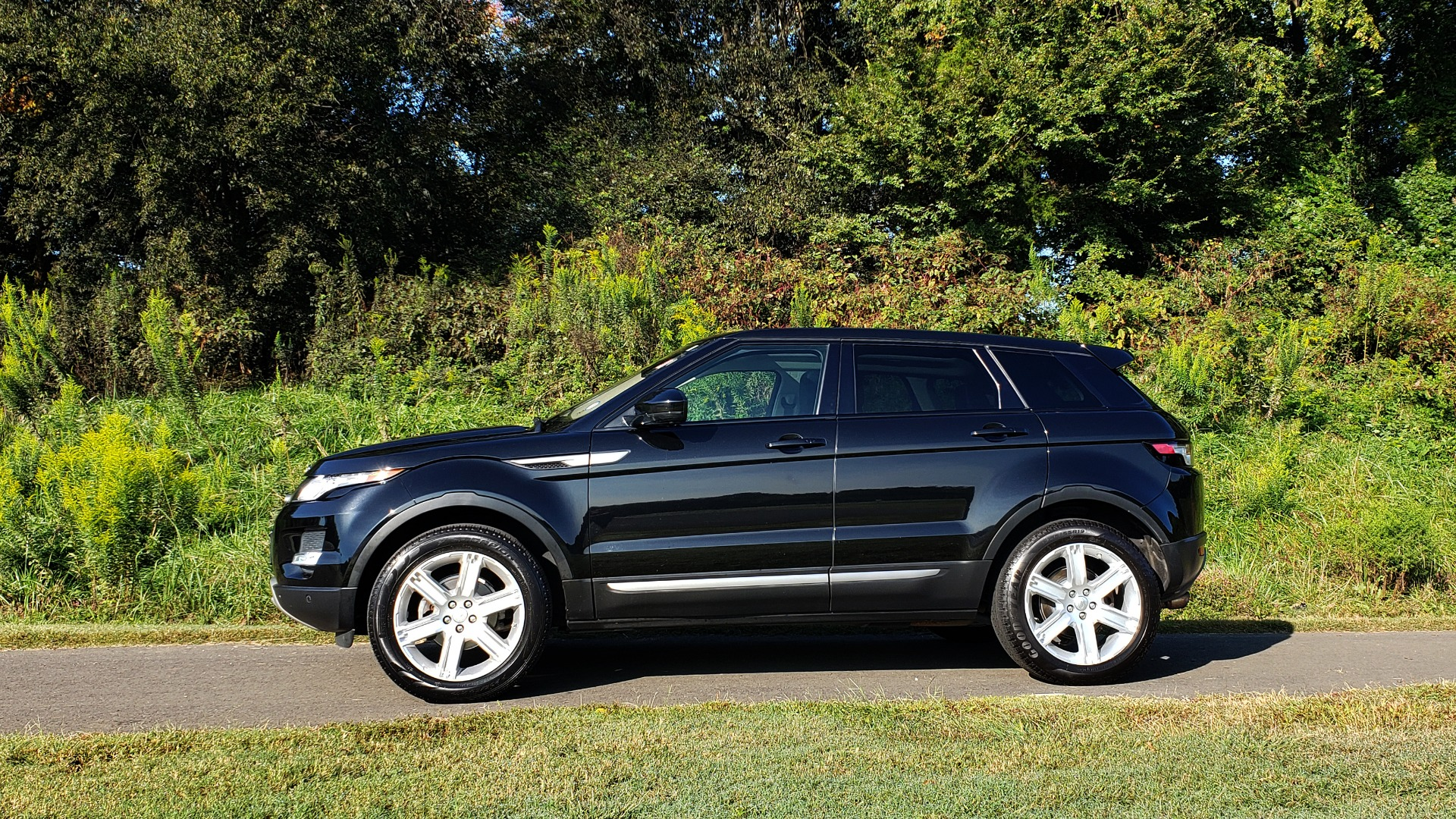 Used 2015 Land Rover RANGE ROVER EVOQUE PURE PREMIUM / PURE PLUS / CLIMATE COMFORT / REARVIEW for sale Sold at Formula Imports in Charlotte NC 28227 8