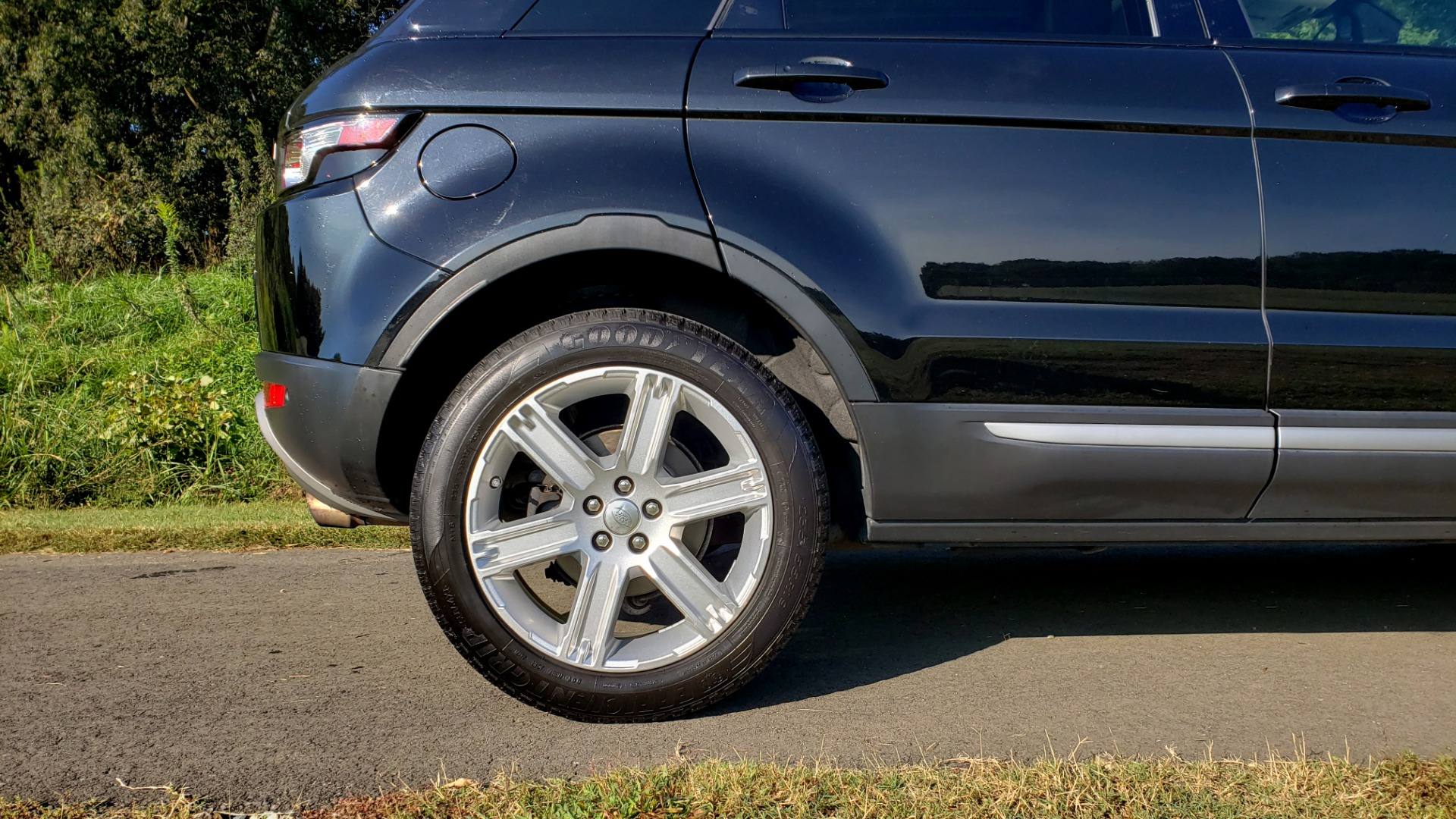 Used 2015 Land Rover RANGE ROVER EVOQUE PURE PREMIUM / PURE PLUS / CLIMATE COMFORT / REARVIEW for sale Sold at Formula Imports in Charlotte NC 28227 86