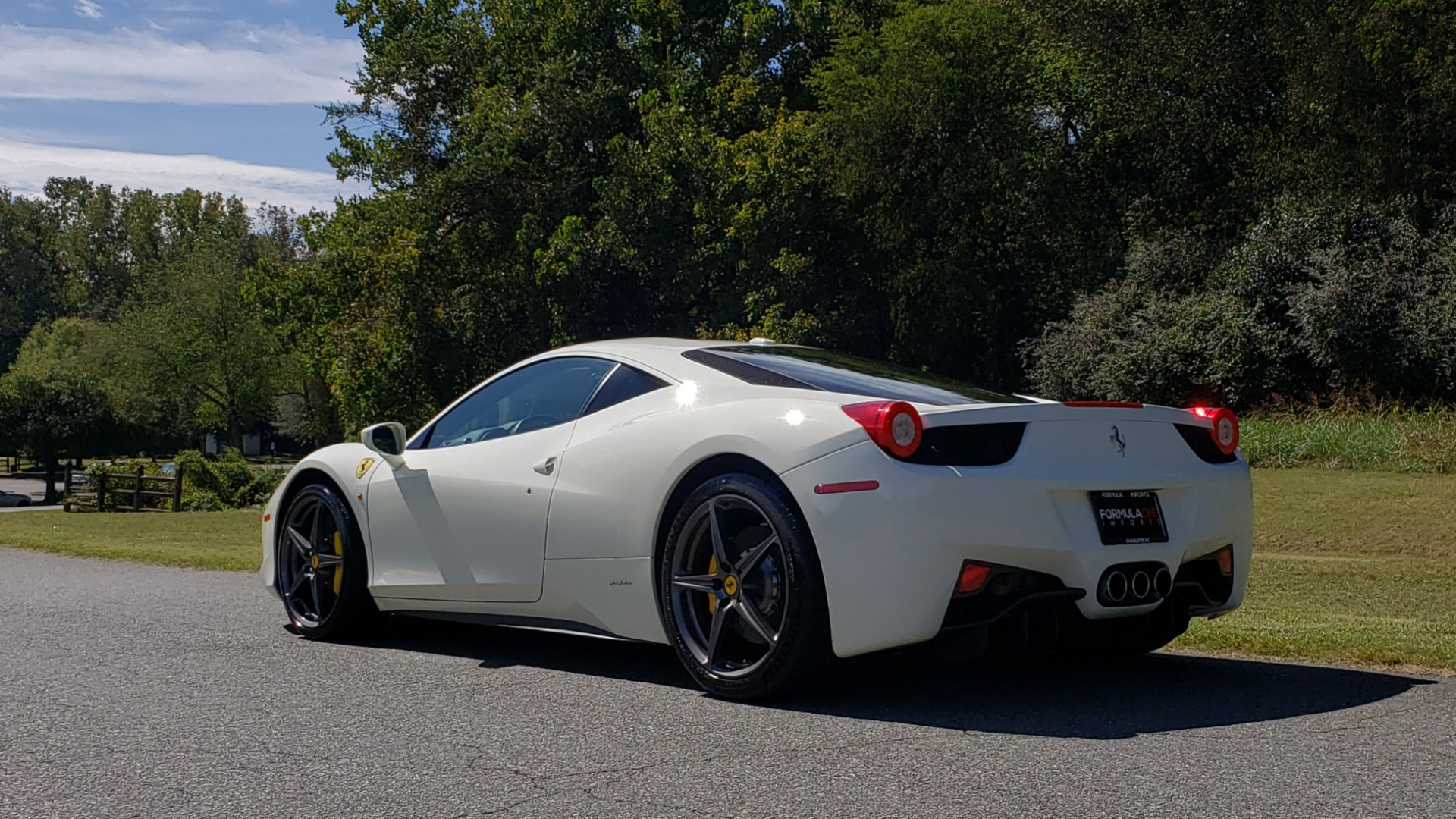 Used 2012 Ferrari 458 ITALIA COUPE / 4.5L V8 / 7-SPEED AUTO / LOW MILES SUPER CLEAN for sale $169,999 at Formula Imports in Charlotte NC 28227 11