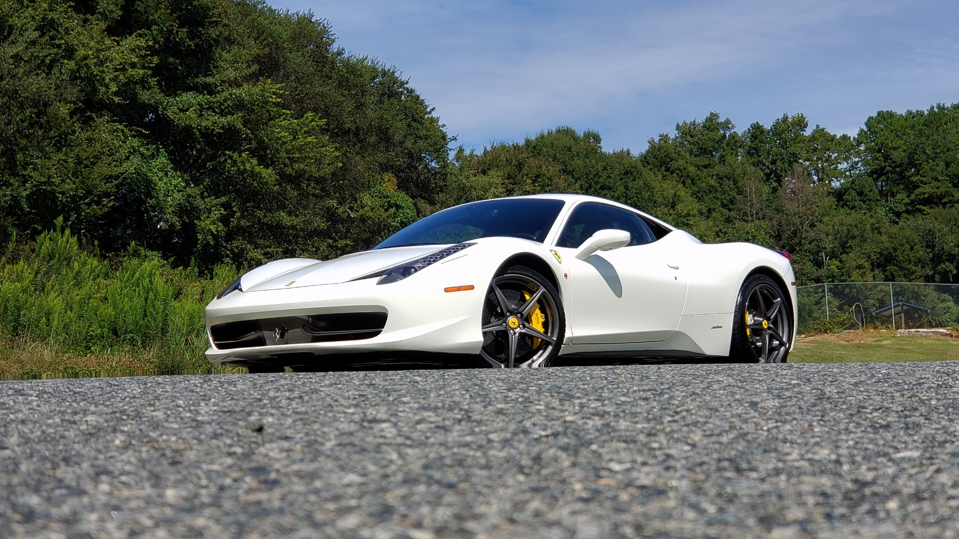 Used 2012 Ferrari 458 ITALIA COUPE / 4.5L V8 / 7-SPEED AUTO / LOW MILES SUPER CLEAN for sale $169,999 at Formula Imports in Charlotte NC 28227 2