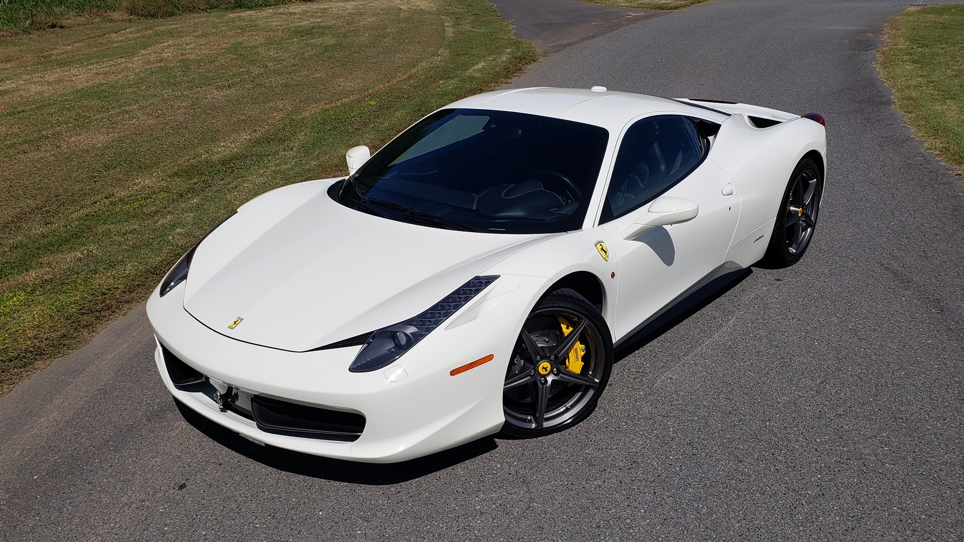 Used 2012 Ferrari 458 ITALIA COUPE / 4.5L V8 / 7-SPEED AUTO / LOW MILES SUPER CLEAN for sale $169,999 at Formula Imports in Charlotte NC 28227 5