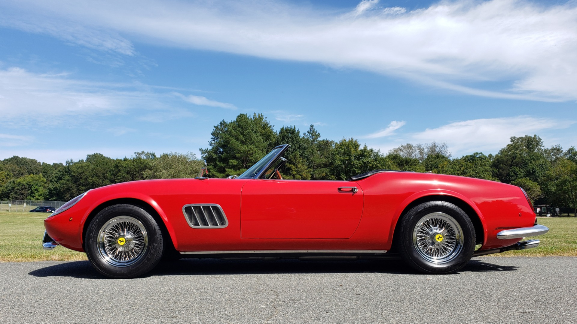 Used 1961 Ferrari 250GT SWB CALIFORNIA REPLICA / 302CI V8 / TREMEC 5-SPEED for sale Sold at Formula Imports in Charlotte NC 28227 11