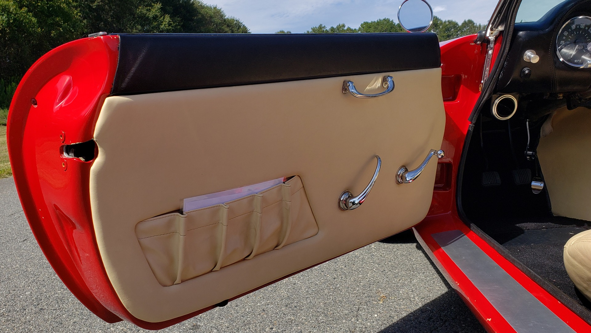 Used 1961 Ferrari 250GT SWB CALIFORNIA REPLICA / 302CI V8 / TREMEC 5-SPEED for sale Sold at Formula Imports in Charlotte NC 28227 20