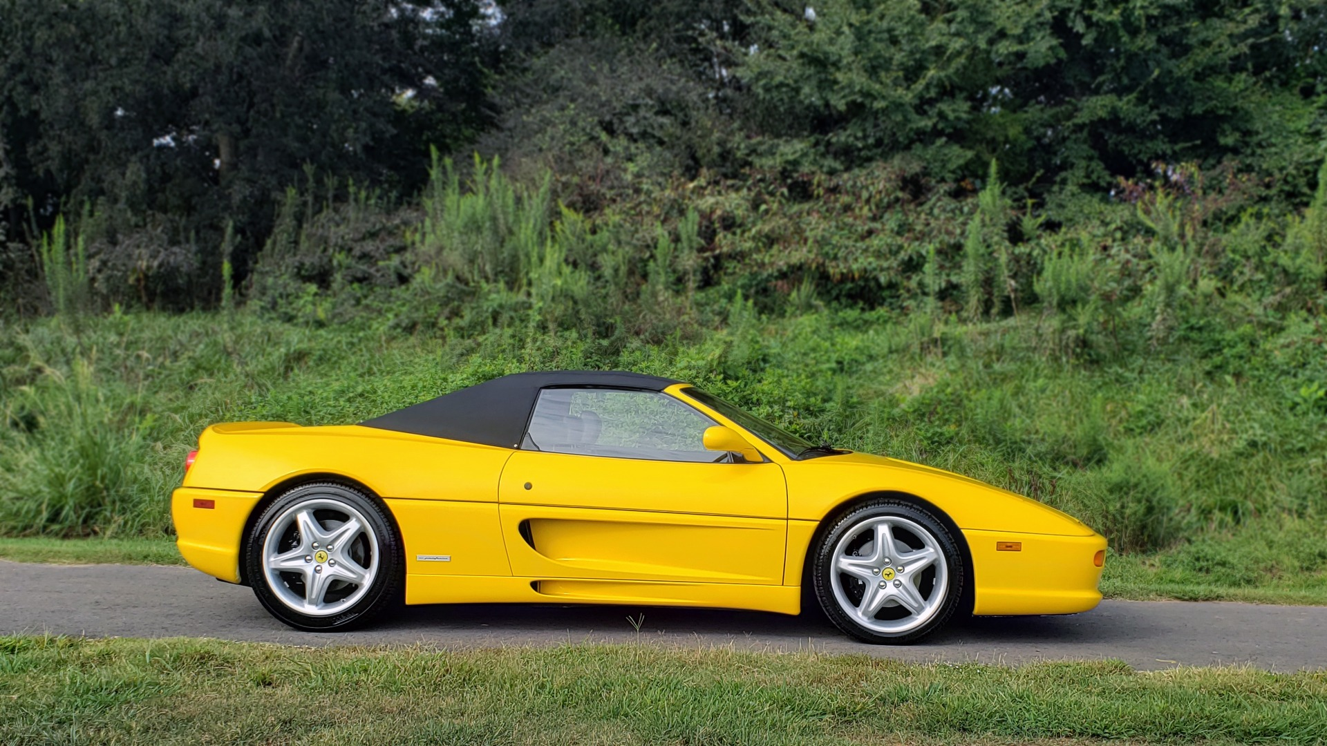Used 1996 Ferrari F355 SPIDER / GATED 6-SPEED MANUAL / LOW MILES / NEW TIRES for sale $95,999 at Formula Imports in Charlotte NC 28227 3