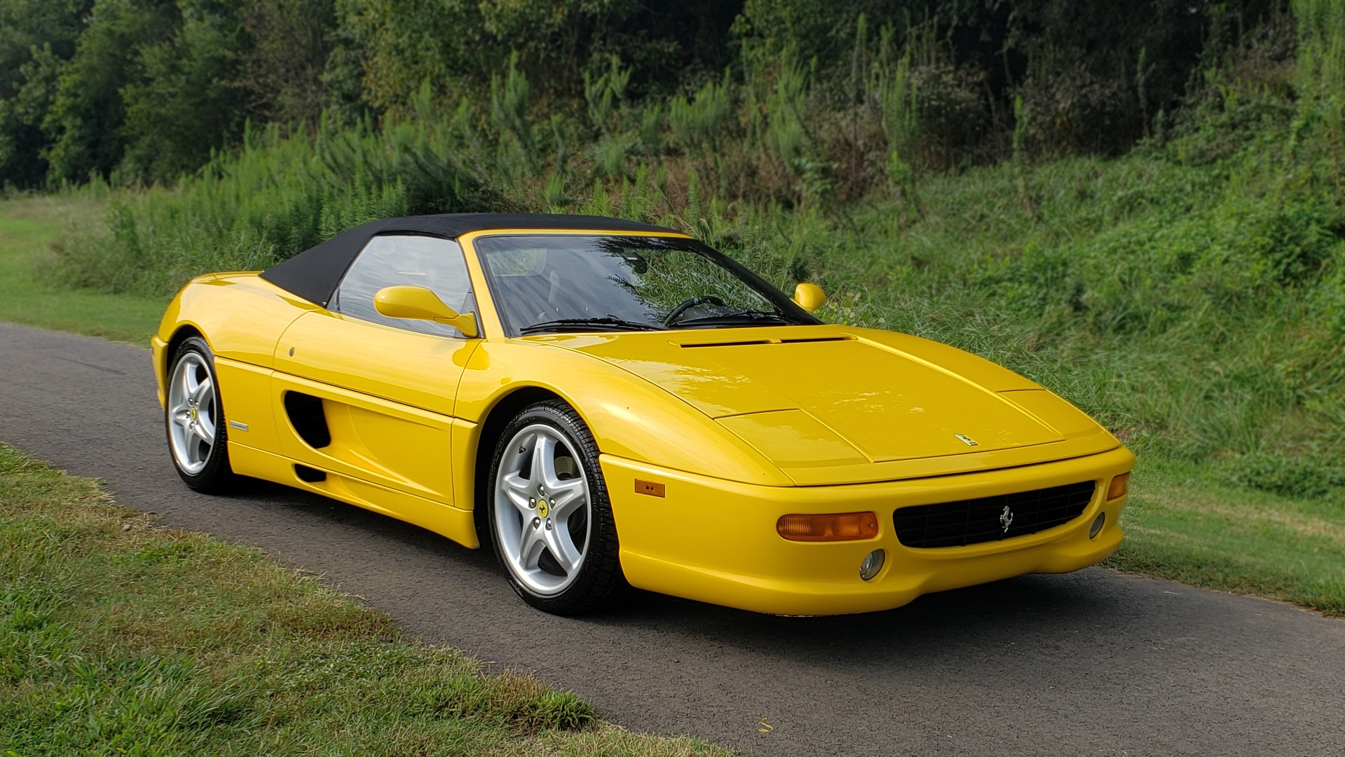 Used 1996 Ferrari F355 SPIDER / GATED 6-SPEED MANUAL / LOW MILES / NEW TIRES for sale $95,999 at Formula Imports in Charlotte NC 28227 4