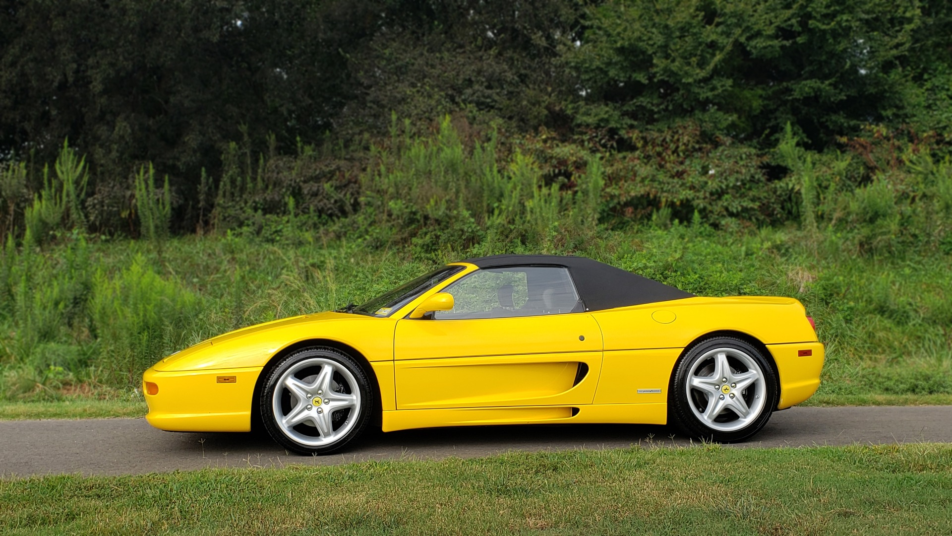 Used 1996 Ferrari F355 SPIDER / GATED 6-SPEED MANUAL / LOW MILES / NEW TIRES for sale $95,999 at Formula Imports in Charlotte NC 28227 7