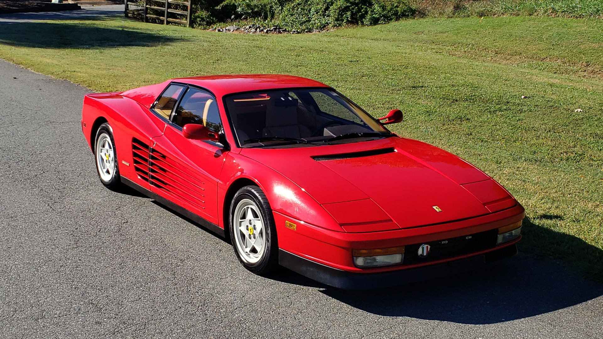 Used 1988 Ferrari TESTAROSSA COUPE / 4.9L FLAT-12 / 5-SPEED MANUAL / LOW MILES SUPER CLEAN for sale $128,999 at Formula Imports in Charlotte NC 28227 14