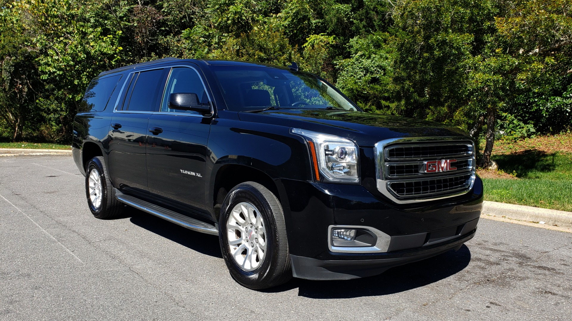 Used 2016 GMC YUKON XL SLT / NAV / BOSE / 3-ROWS - SEATS 8 / REARVIEW for sale Sold at Formula Imports in Charlotte NC 28227 4