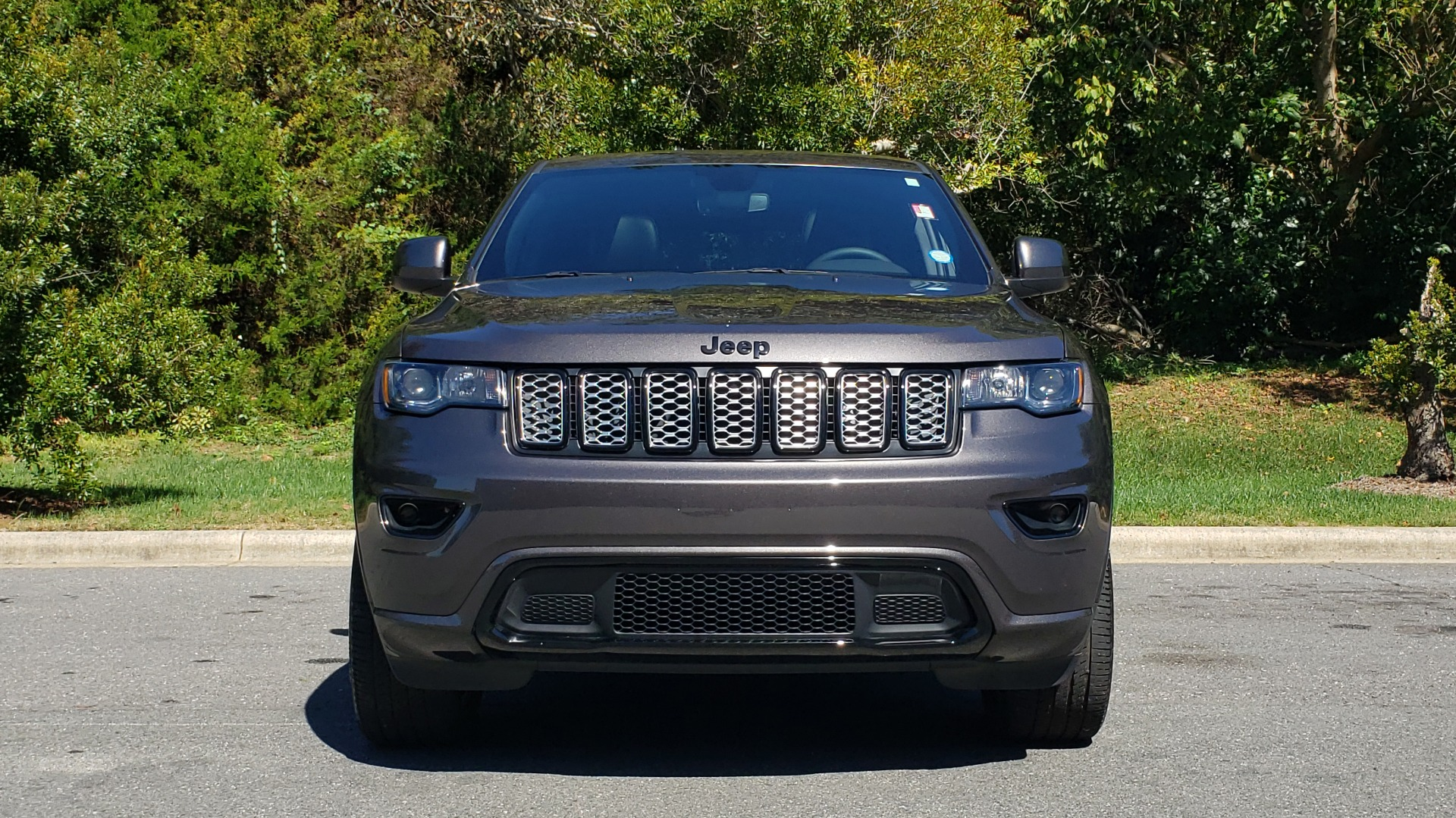 Used 2019 Jeep GRAND CHEROKEE ALTITUDE 4X4 / NAV / WIFI / SUNROOF / REARVIEW for sale $34,995 at Formula Imports in Charlotte NC 28227 24