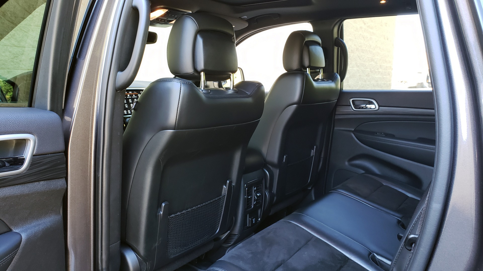 Used 2019 Jeep GRAND CHEROKEE ALTITUDE 4X4 / NAV / WIFI / SUNROOF / REARVIEW for sale $34,995 at Formula Imports in Charlotte NC 28227 64