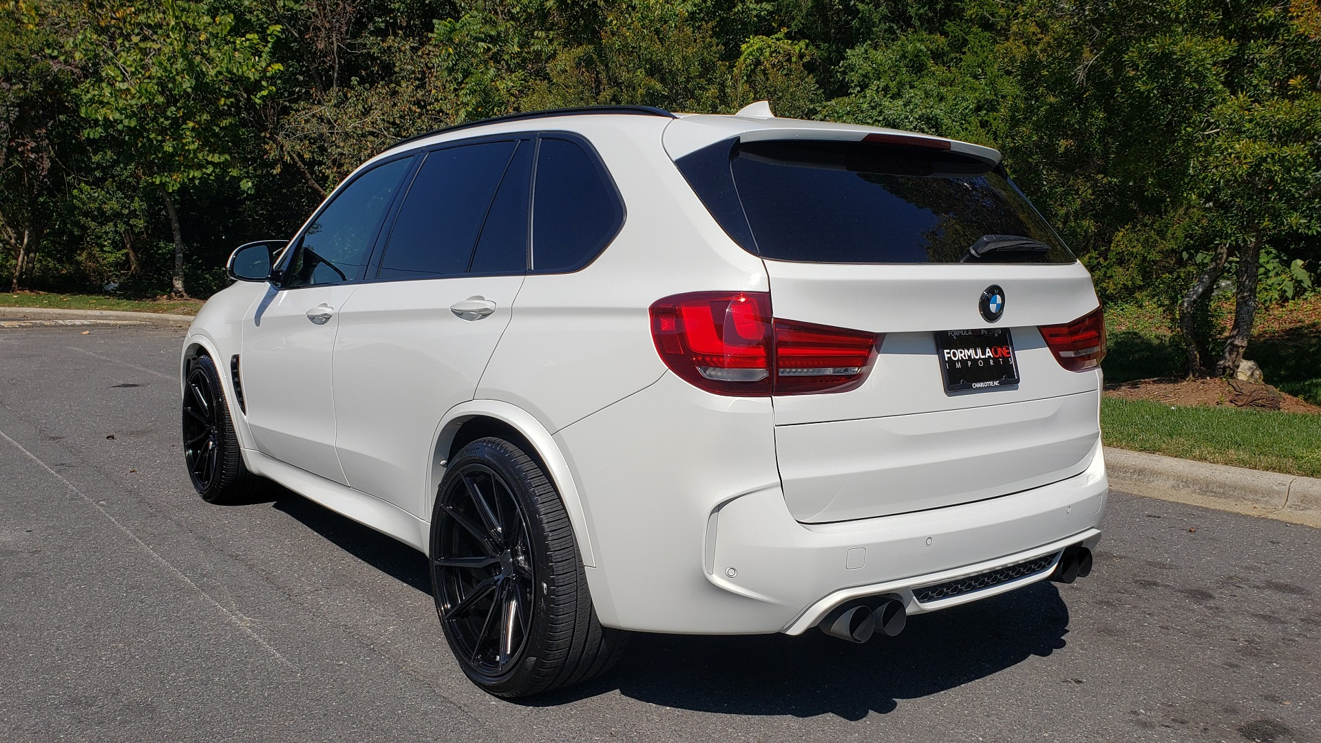 Used 2017 BMW X5 M SPORT / AWD / DRVR ASST / EXEC PKG / B&O SND / NIGHT VIS / PARK ASST for sale Sold at Formula Imports in Charlotte NC 28227 4