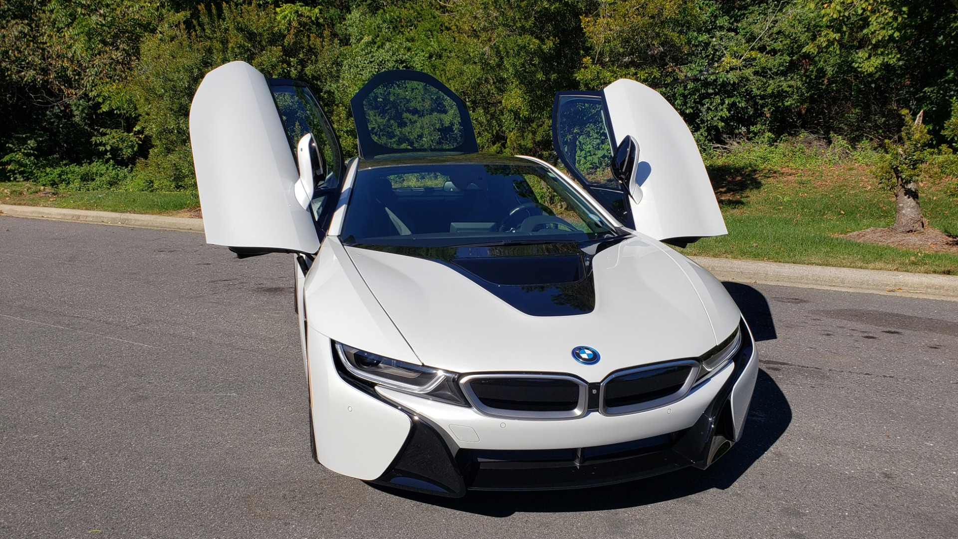 Used 2014 BMW i8 COUPE / TERA WORLD / NAV / CARBON FIBER ROOF / REARVIEW for sale Sold at Formula Imports in Charlotte NC 28227 11