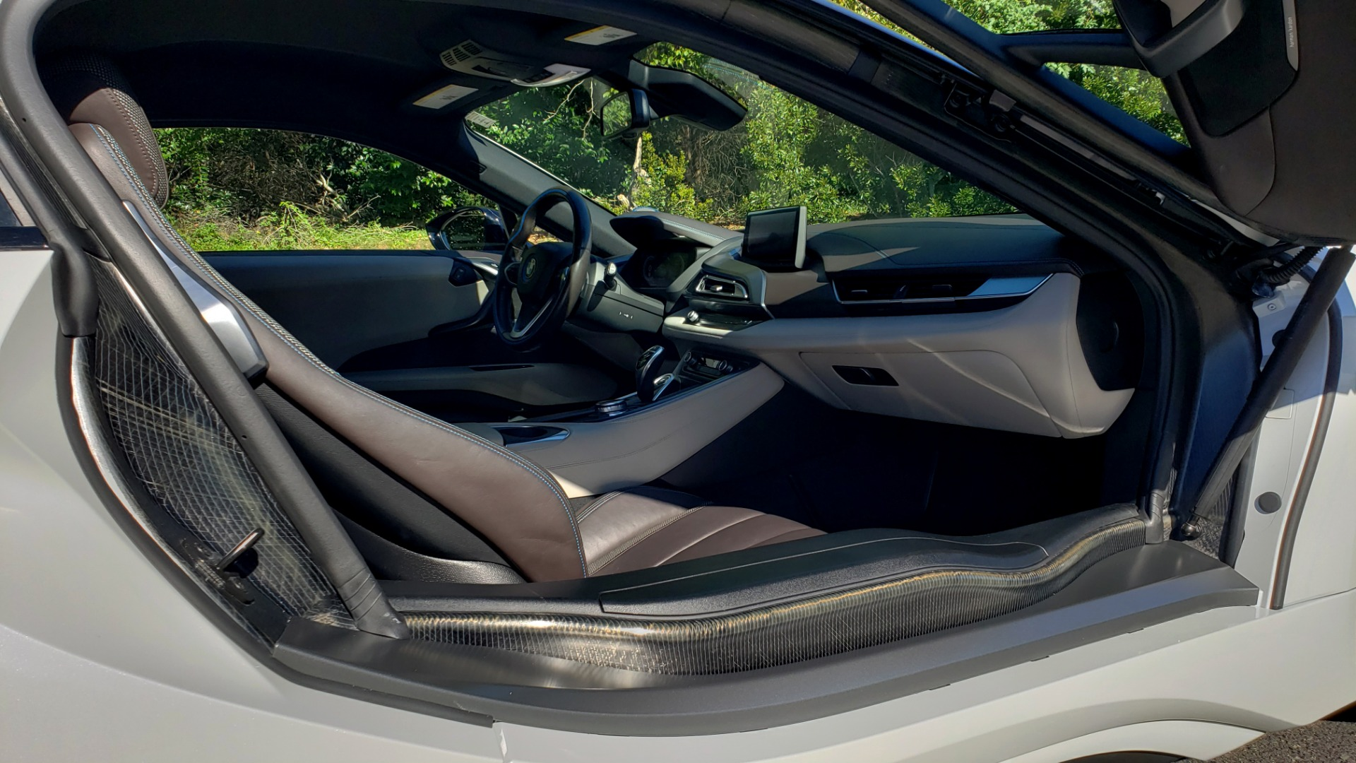 Used 2014 BMW i8 COUPE / TERA WORLD / NAV / CARBON FIBER ROOF / REARVIEW for sale Sold at Formula Imports in Charlotte NC 28227 14