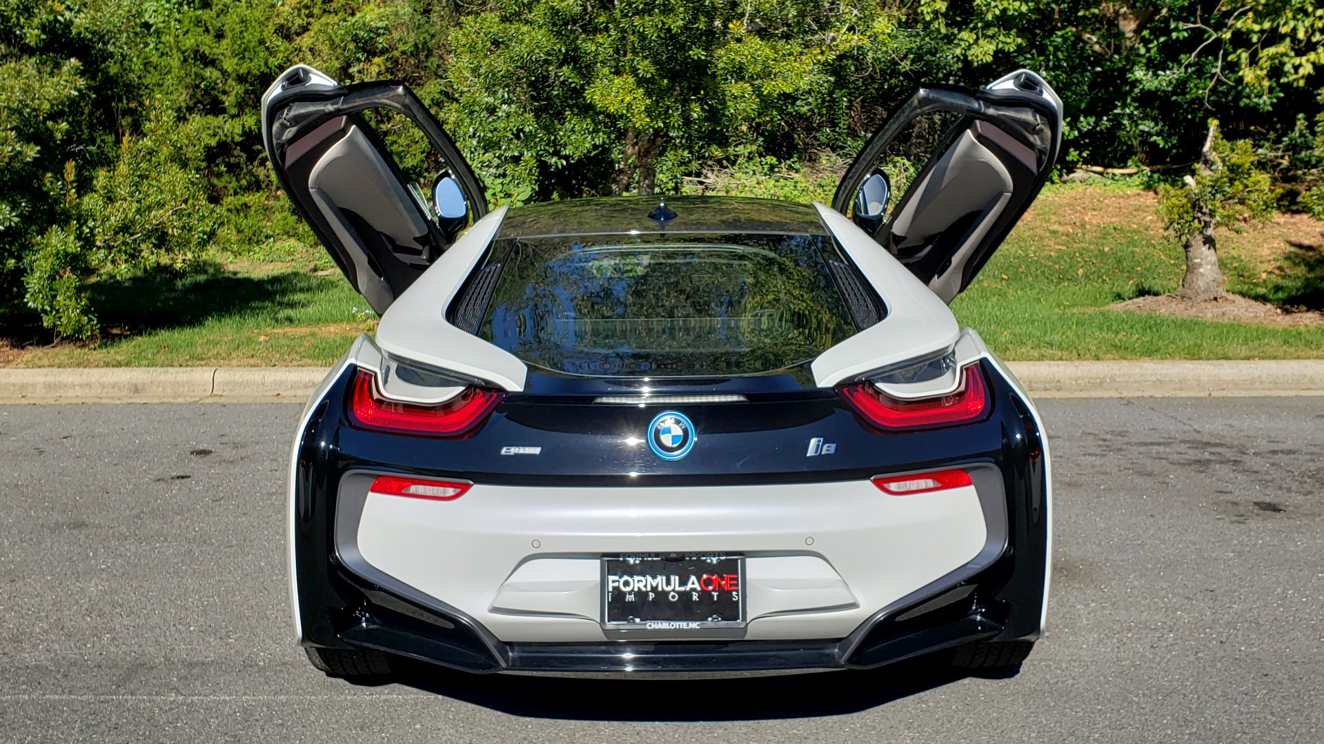 Used 2014 BMW i8 COUPE / TERA WORLD / NAV / CARBON FIBER ROOF / REARVIEW for sale Sold at Formula Imports in Charlotte NC 28227 22