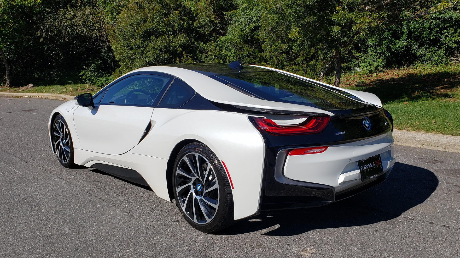 Used 2014 BMW i8 COUPE / TERA WORLD / NAV / CARBON FIBER ROOF / REARVIEW for sale Sold at Formula Imports in Charlotte NC 28227 3