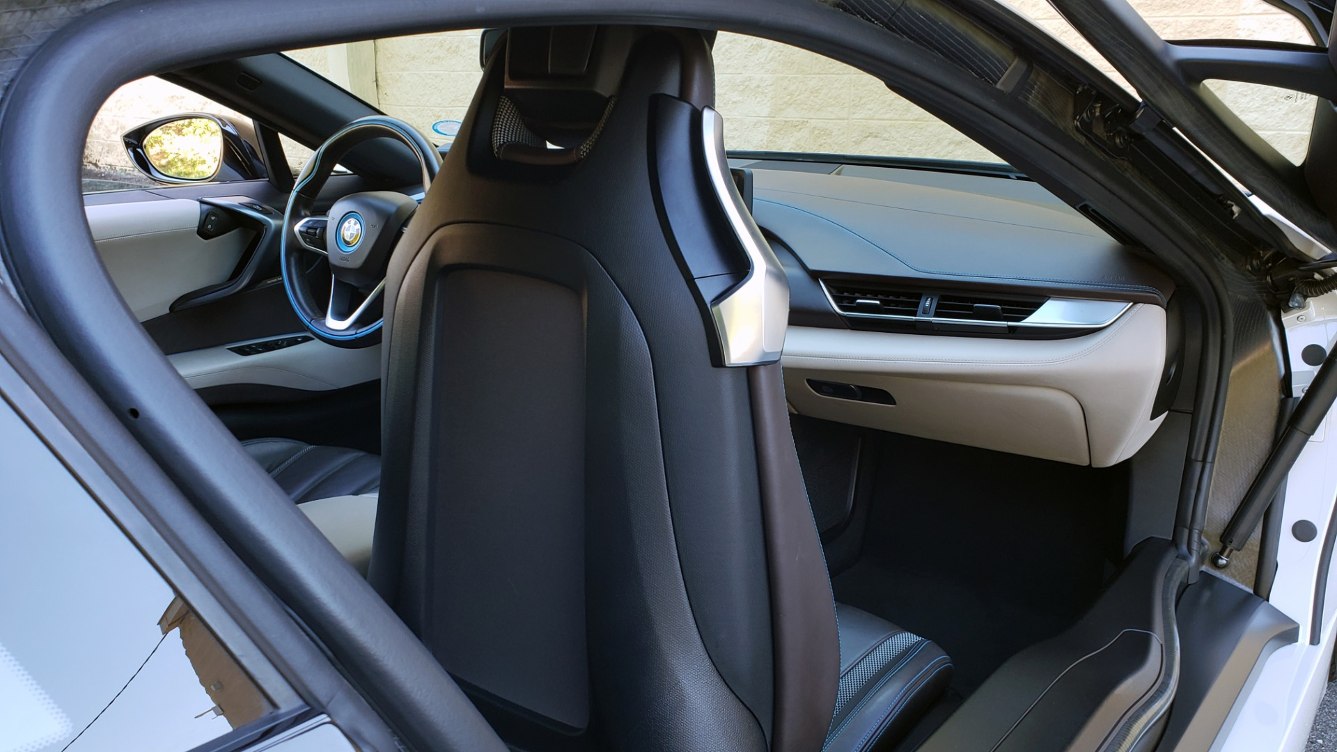 Used 2014 BMW i8 COUPE / TERA WORLD / NAV / CARBON FIBER ROOF / REARVIEW for sale Sold at Formula Imports in Charlotte NC 28227 38