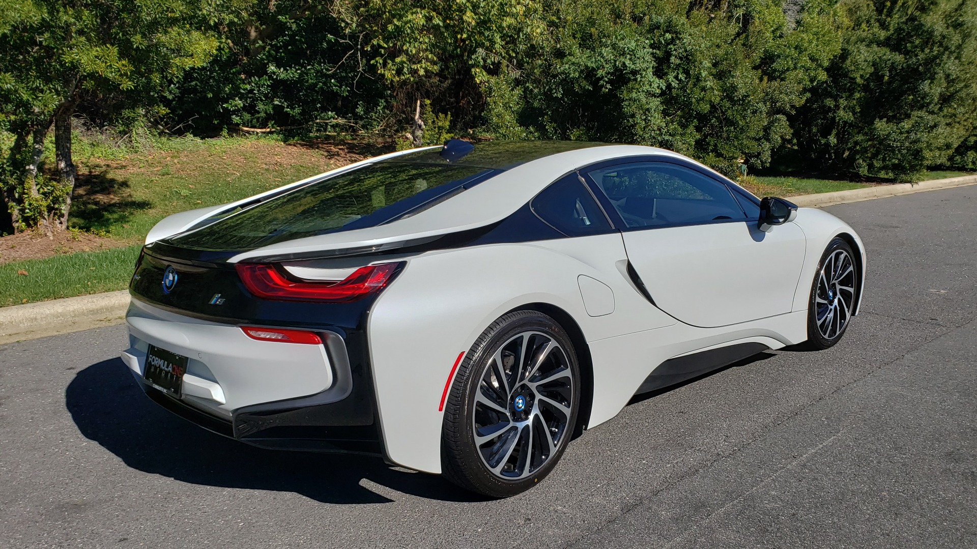Used 2014 BMW i8 COUPE / TERA WORLD / NAV / CARBON FIBER ROOF / REARVIEW for sale Sold at Formula Imports in Charlotte NC 28227 6