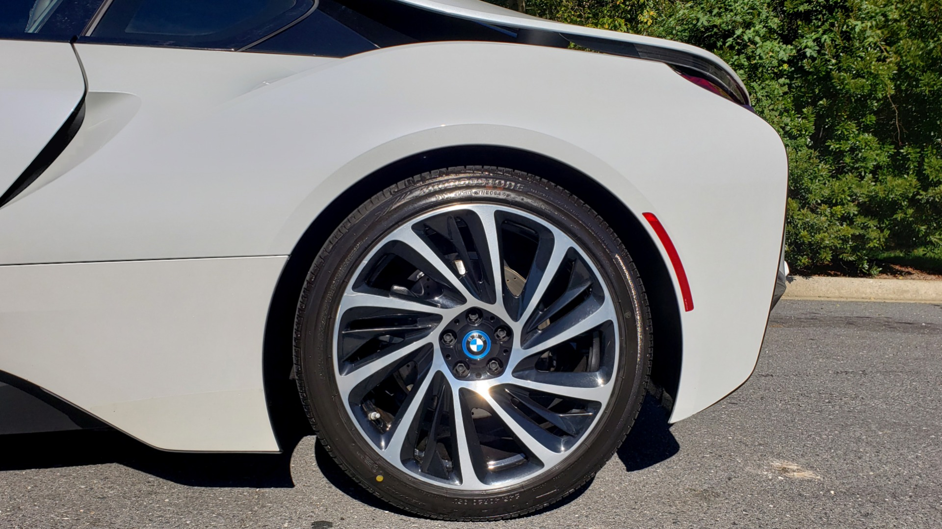 Used 2014 BMW i8 COUPE / TERA WORLD / NAV / CARBON FIBER ROOF / REARVIEW for sale Sold at Formula Imports in Charlotte NC 28227 67
