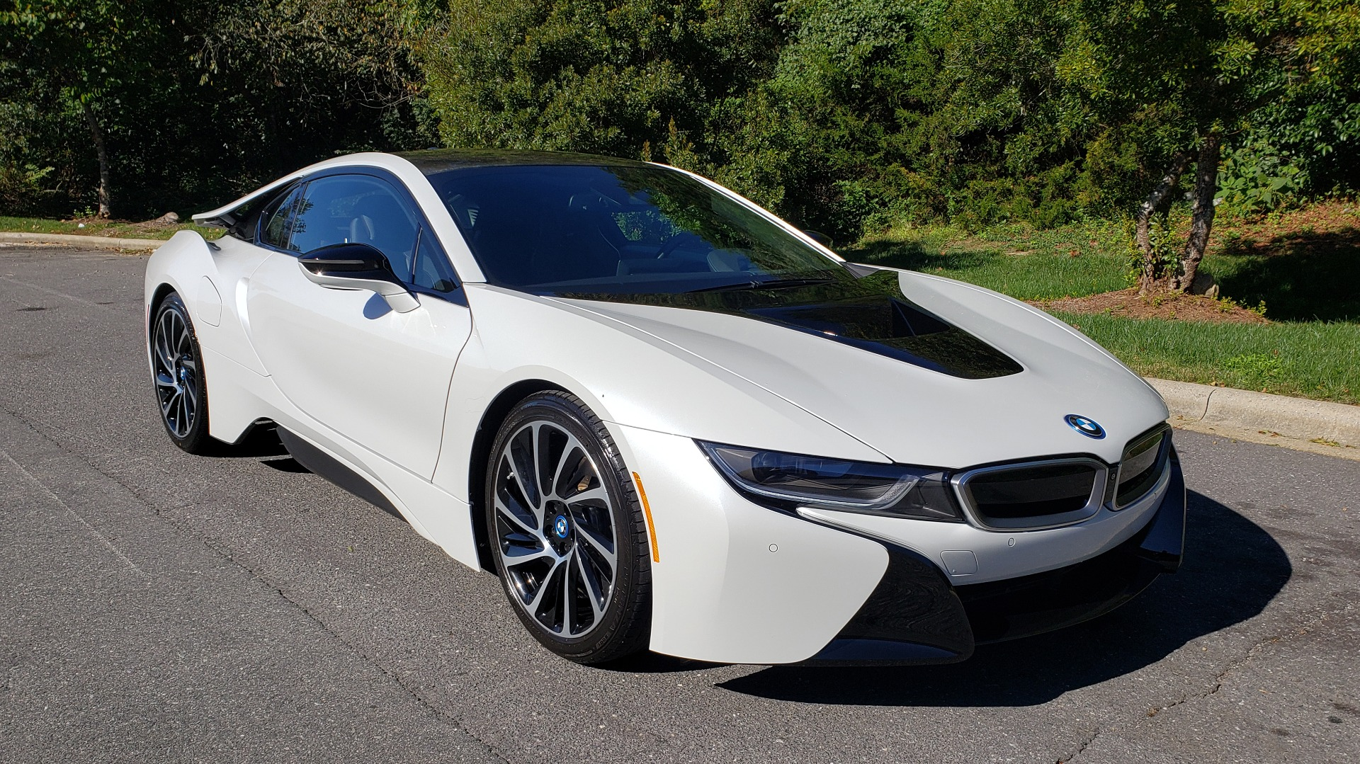 Used 2014 BMW i8 COUPE / TERA WORLD / NAV / CARBON FIBER ROOF / REARVIEW for sale Sold at Formula Imports in Charlotte NC 28227 8