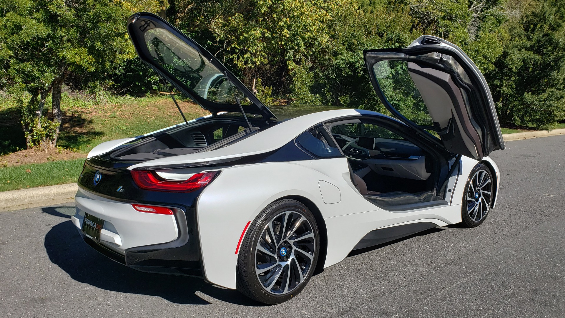Used 2014 BMW i8 COUPE / TERA WORLD / NAV / CARBON FIBER ROOF / REARVIEW for sale Sold at Formula Imports in Charlotte NC 28227 9