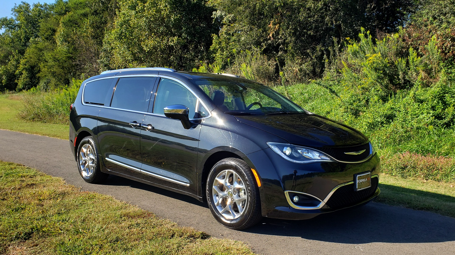 Used 2018 Chrysler PACIFICA LIMITED / 3.6L V6 / NAV / PANO-ROOF / 3-ROWS / REARVIEW for sale Sold at Formula Imports in Charlotte NC 28227 2
