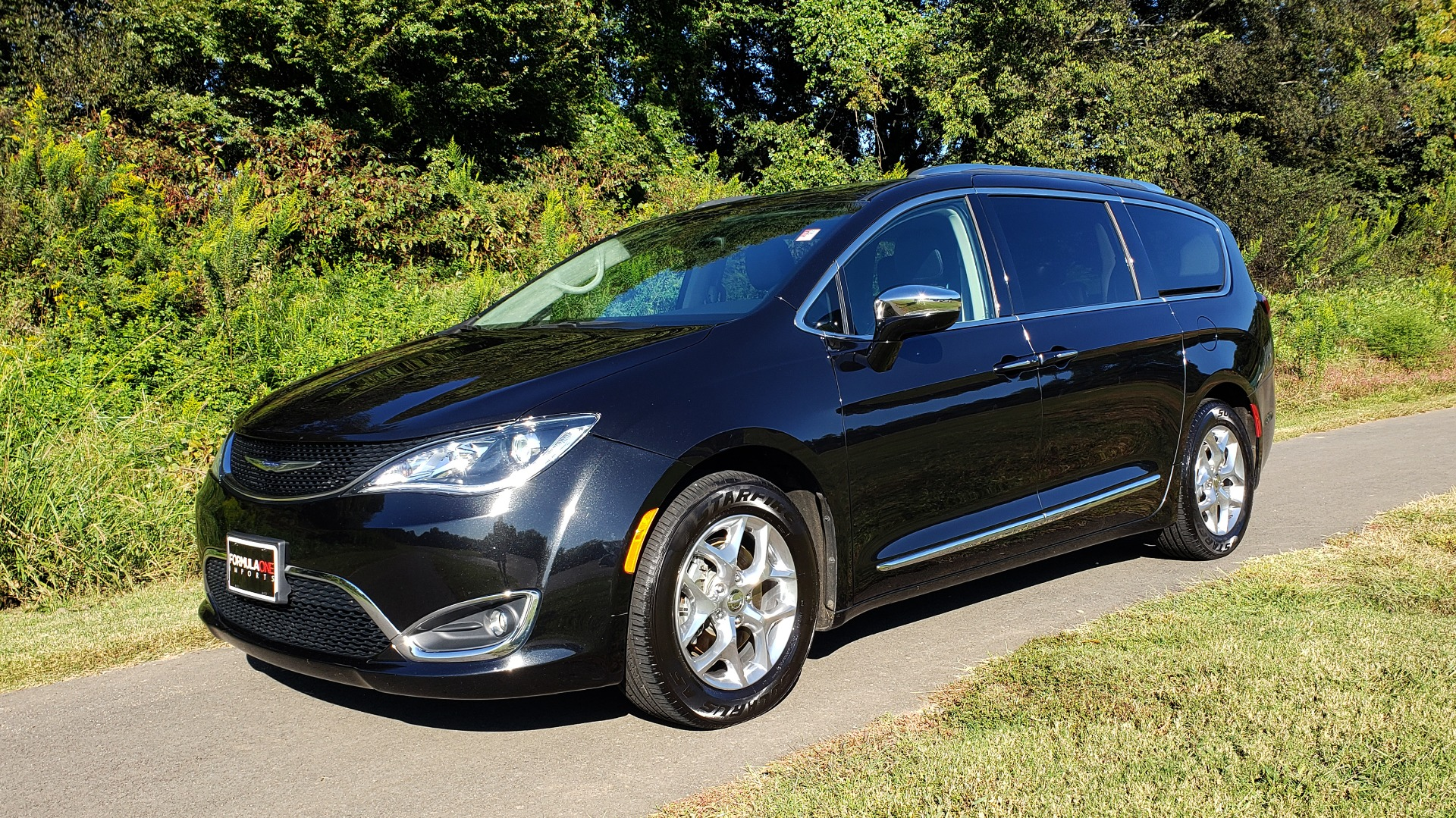 Used 2018 Chrysler PACIFICA LIMITED / 3.6L V6 / NAV / PANO-ROOF / 3-ROWS / REARVIEW for sale Sold at Formula Imports in Charlotte NC 28227 3
