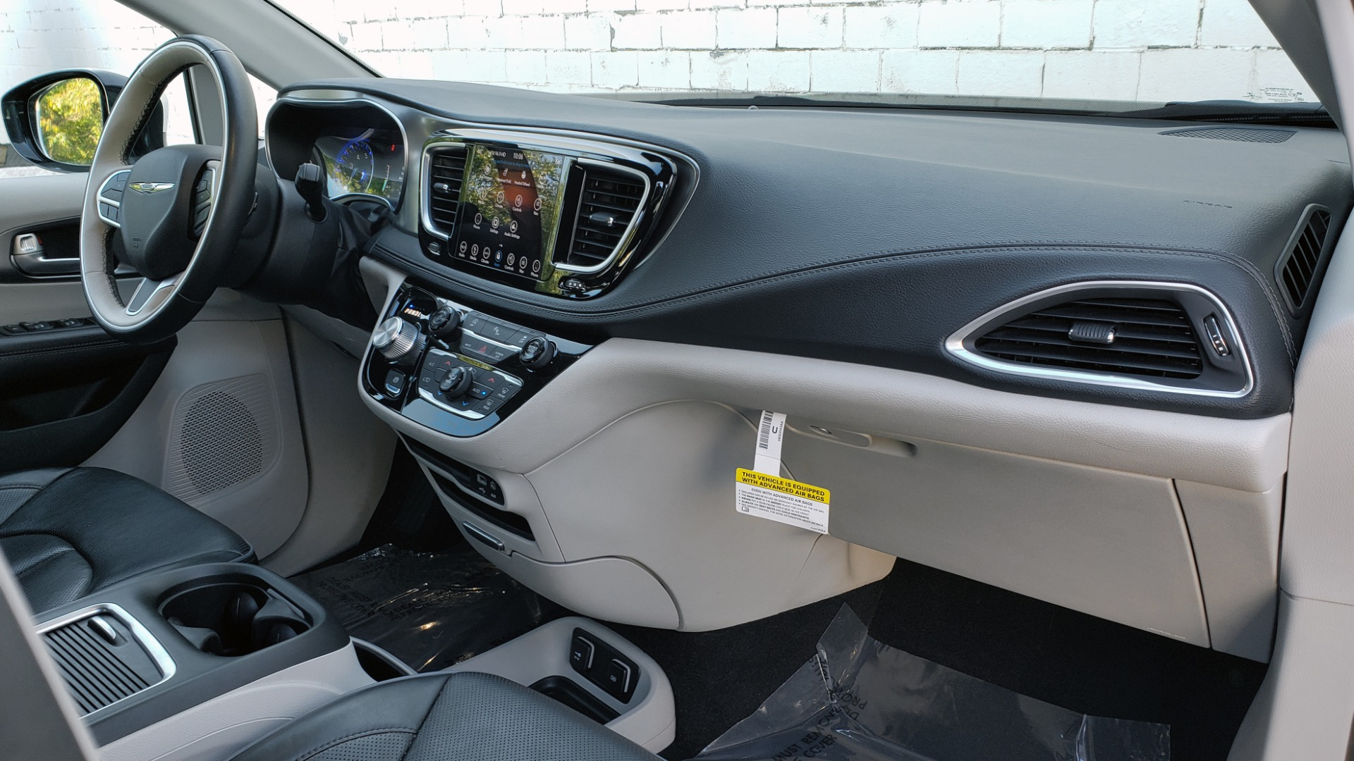 Used 2018 Chrysler PACIFICA LIMITED / 3.6L V6 / NAV / PANO-ROOF / 3-ROWS / REARVIEW for sale Sold at Formula Imports in Charlotte NC 28227 72