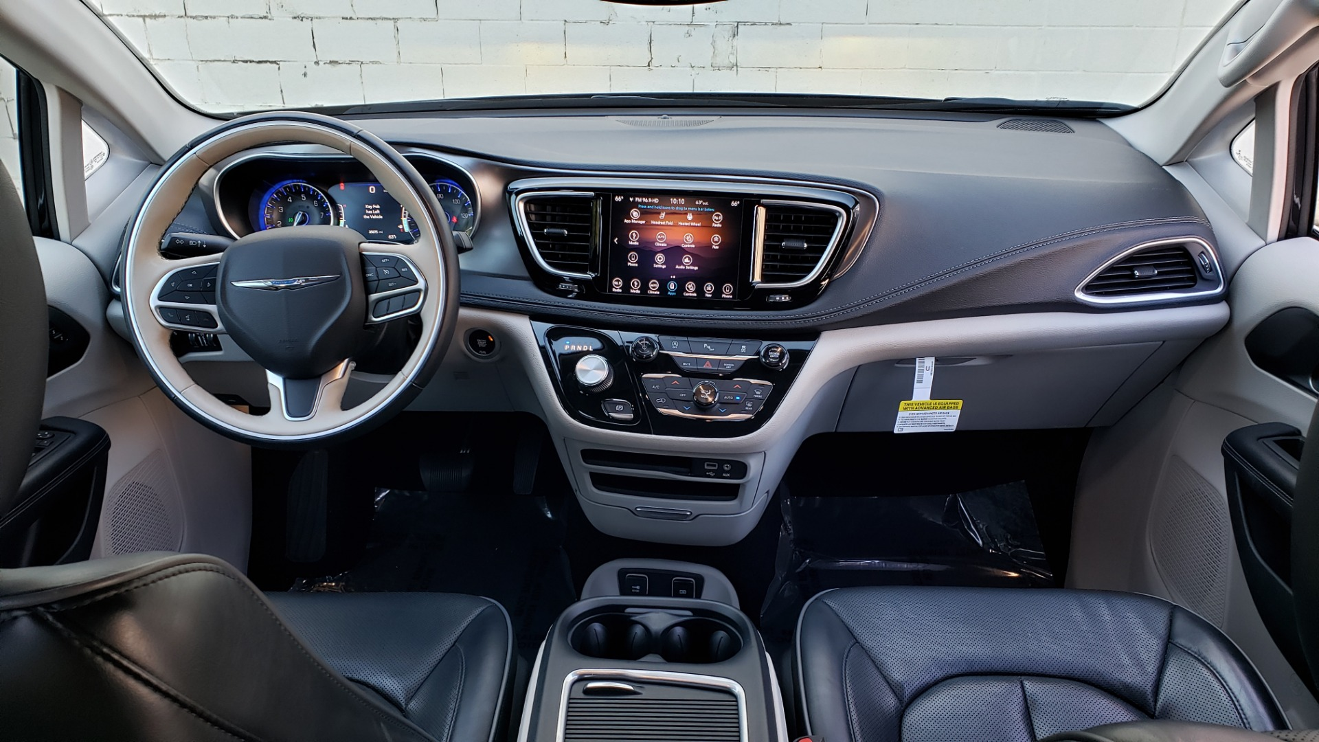 Used 2018 Chrysler PACIFICA LIMITED / 3.6L V6 / NAV / PANO-ROOF / 3-ROWS / REARVIEW for sale Sold at Formula Imports in Charlotte NC 28227 81