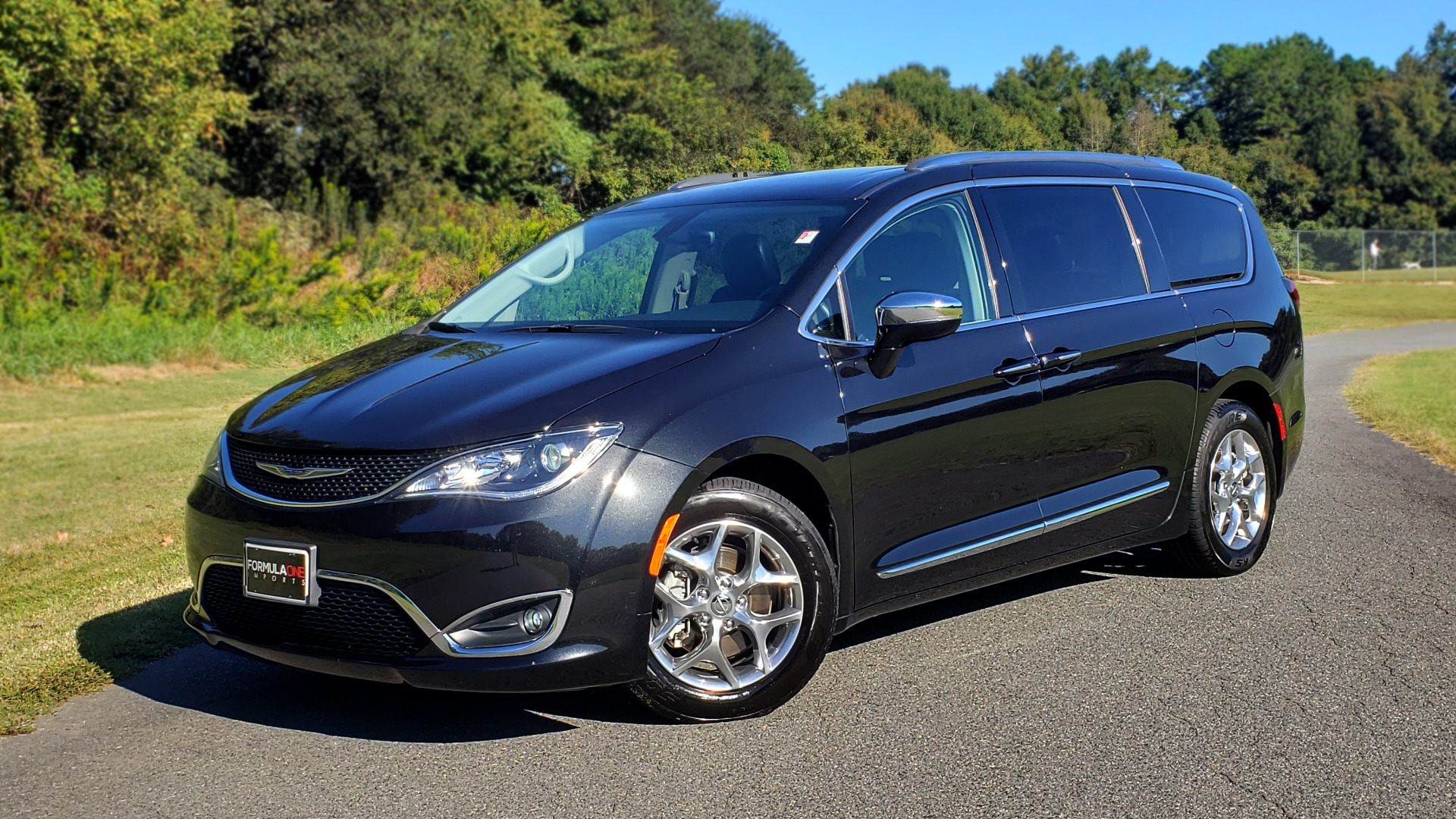 Used 2018 Chrysler PACIFICA LIMITED / 3.6L V6 / NAV / PANO-ROOF / 3-ROWS / REARVIEW for sale Sold at Formula Imports in Charlotte NC 28227 1