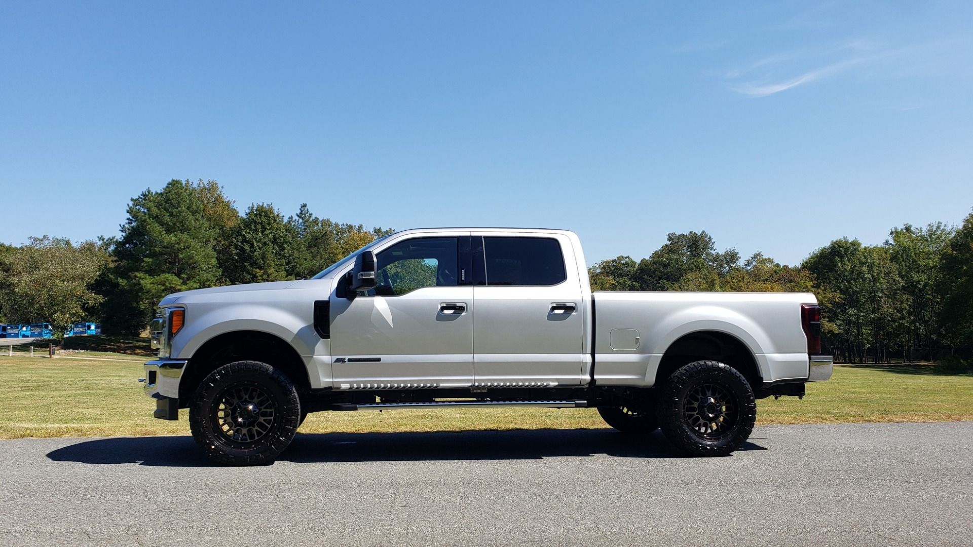 Used 2019 Ford SUPER DUTY F-250 SRW LARIAT 4WD / NAV / PANO-ROOF / B&O SND / REARVIEW / TAILGATE STEP for sale Sold at Formula Imports in Charlotte NC 28227 2